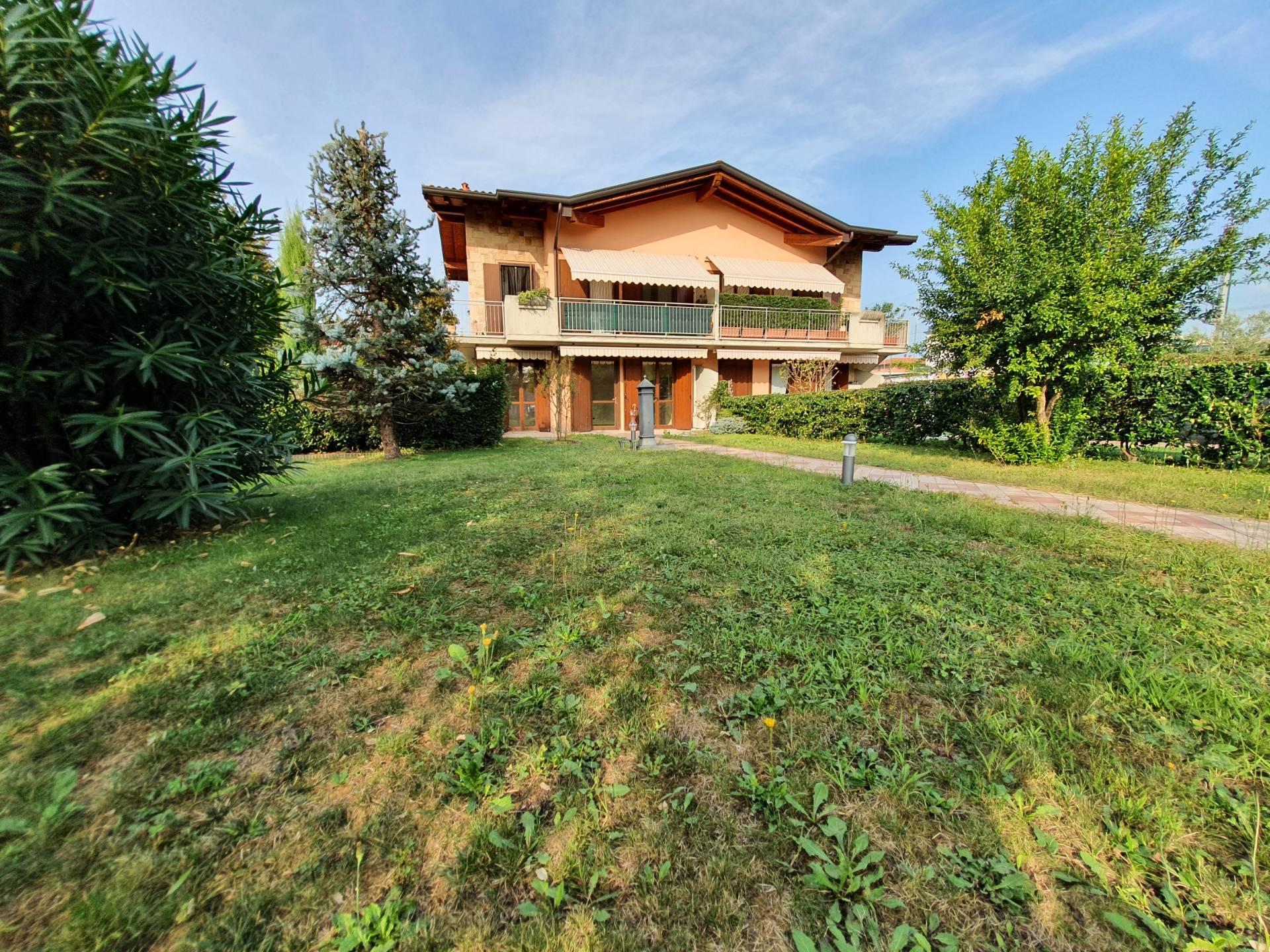 Appartamento in vendita a Seriate, 3 locali, prezzo € 209.000 | CambioCasa.it