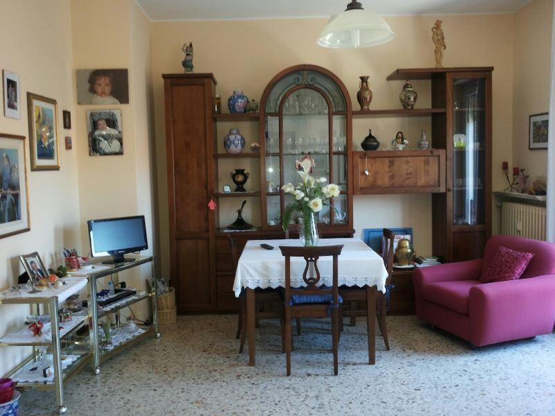 Appartamento in vendita a Albizzate, 3 locali, prezzo € 97.000 | PortaleAgenzieImmobiliari.it