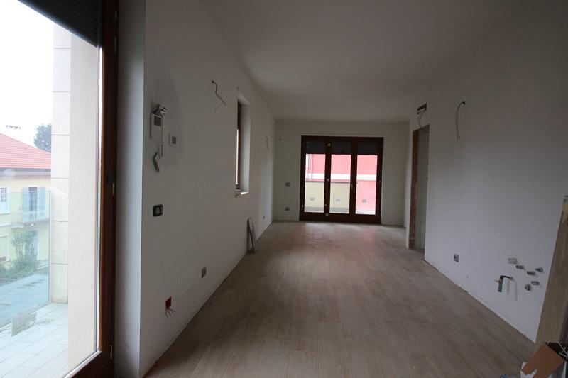 Appartamento in vendita a Gallarate, 3 locali, prezzo € 260.000 | PortaleAgenzieImmobiliari.it