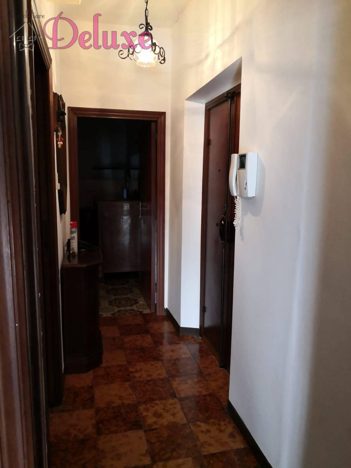 Appartamento in vendita a Macerata, 3 locali, zona Zona: Semicentrale, prezzo € 45.000 | CambioCasa.it