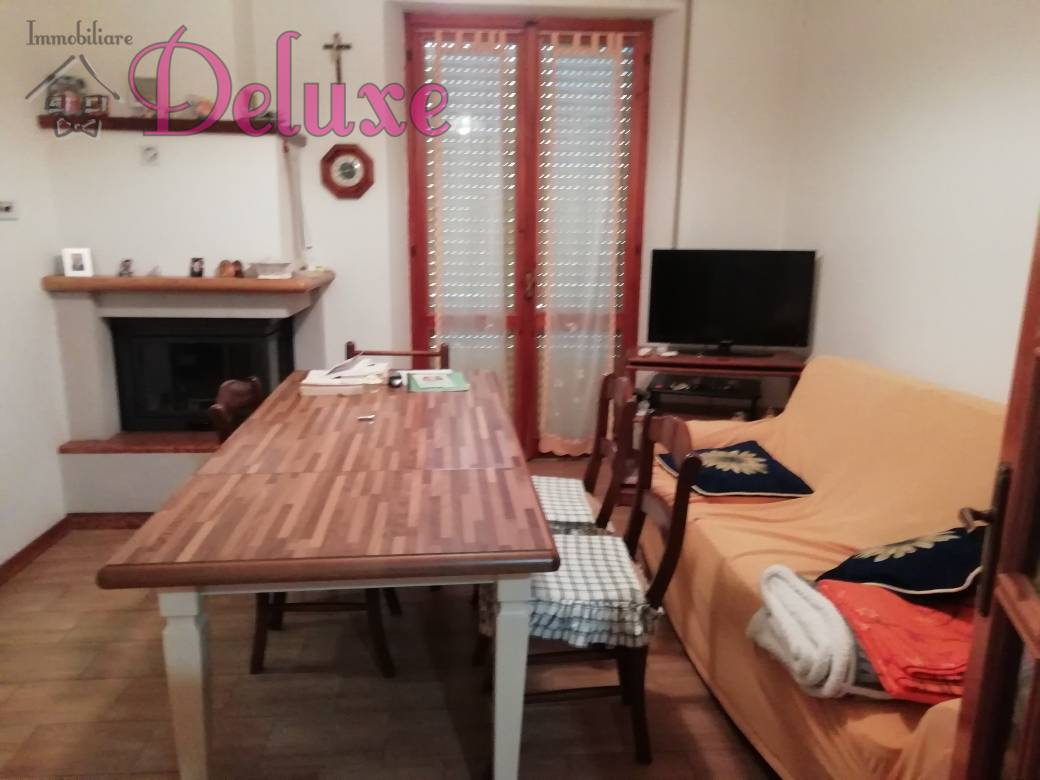 Appartamento in vendita a Pollenza, 6 locali, prezzo € 135.000 | CambioCasa.it