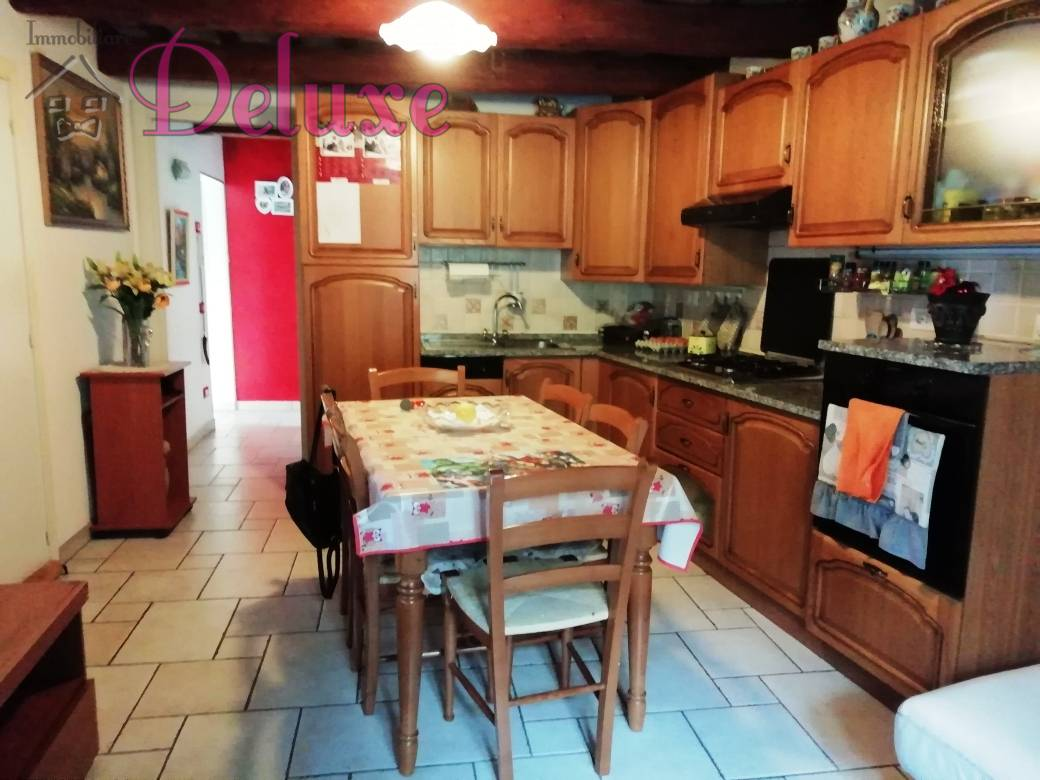 Appartamento in vendita a Macerata, 3 locali, zona Località: Centrostorico, prezzo € 98.000 | CambioCasa.it
