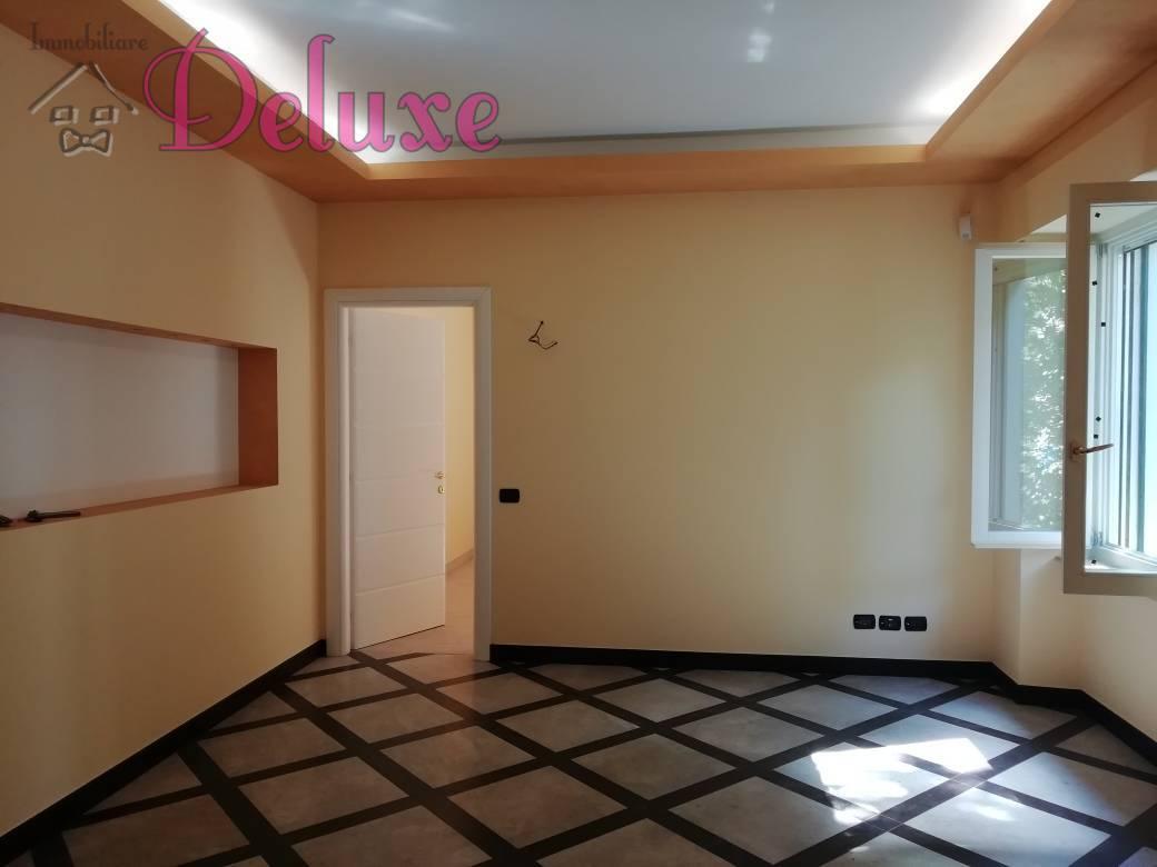 Appartamento in vendita a Macerata, 4 locali, zona Zona: Semicentrale, prezzo € 170.000 | CambioCasa.it
