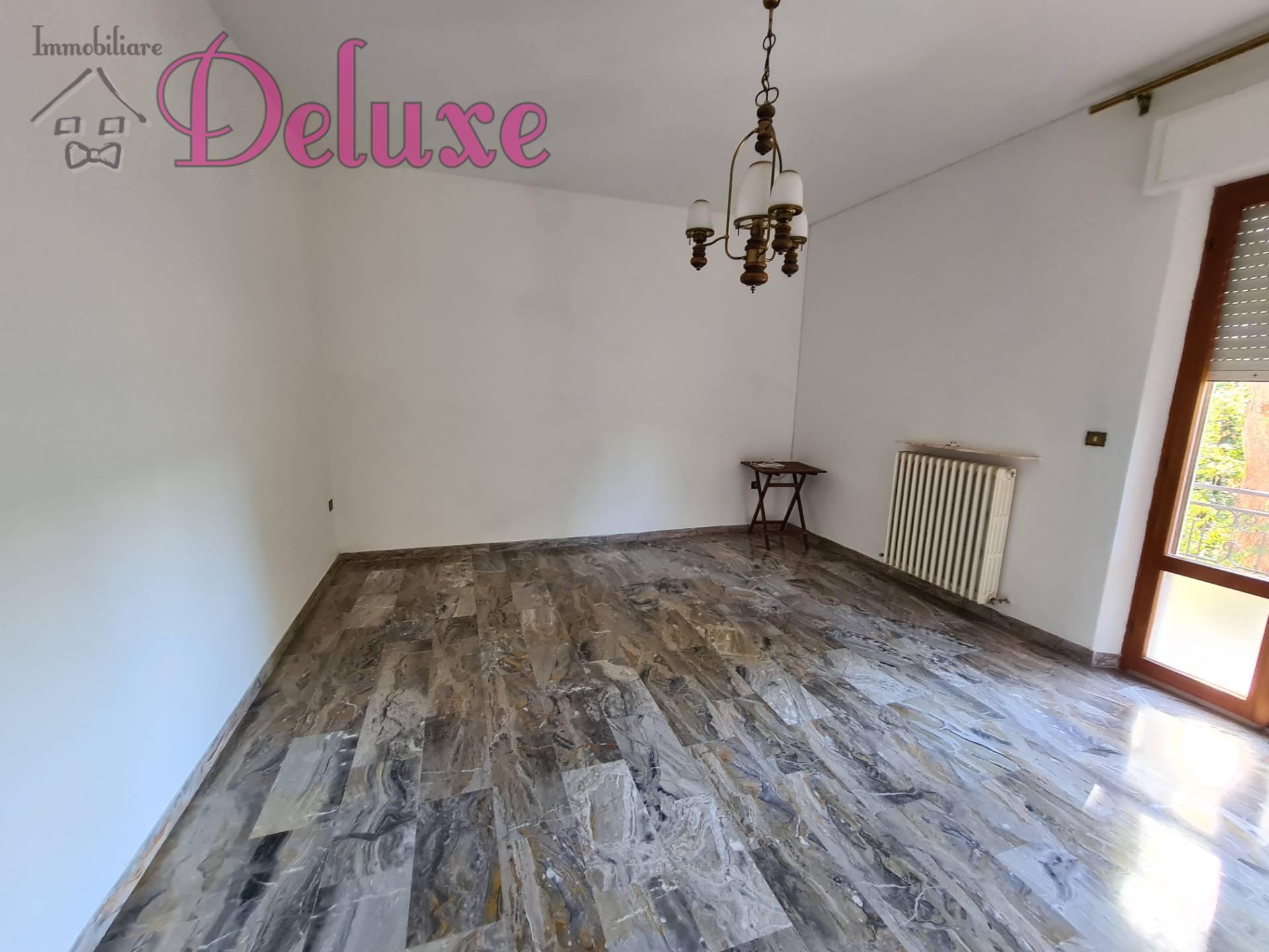 Appartamento in vendita a Pollenza, 7 locali, prezzo € 200.000 | CambioCasa.it