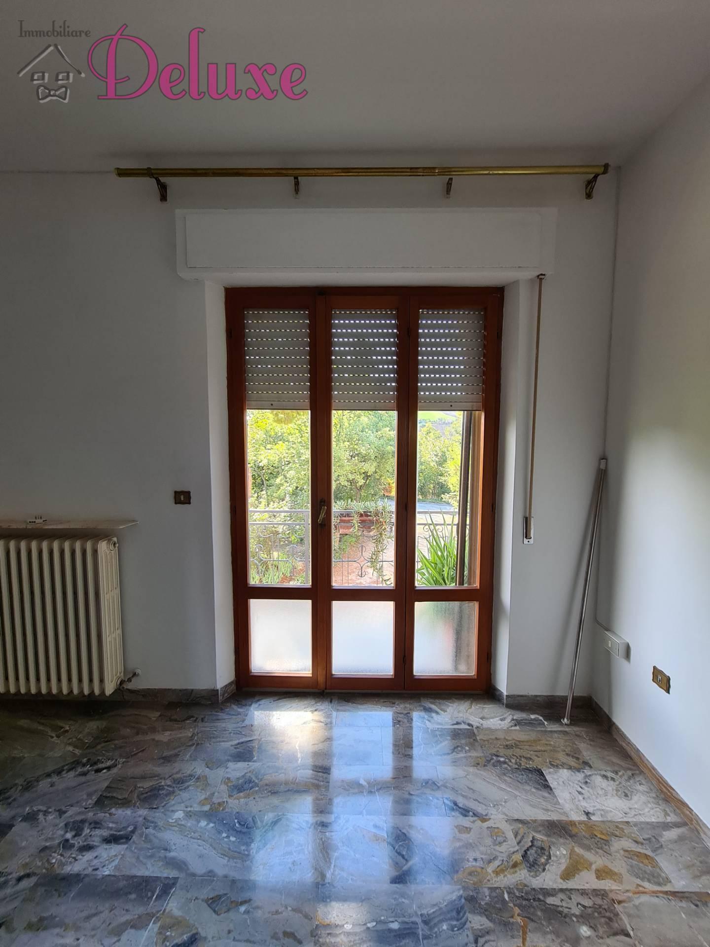 Appartamento in vendita a Pollenza, 7 locali, prezzo € 200.000 | PortaleAgenzieImmobiliari.it