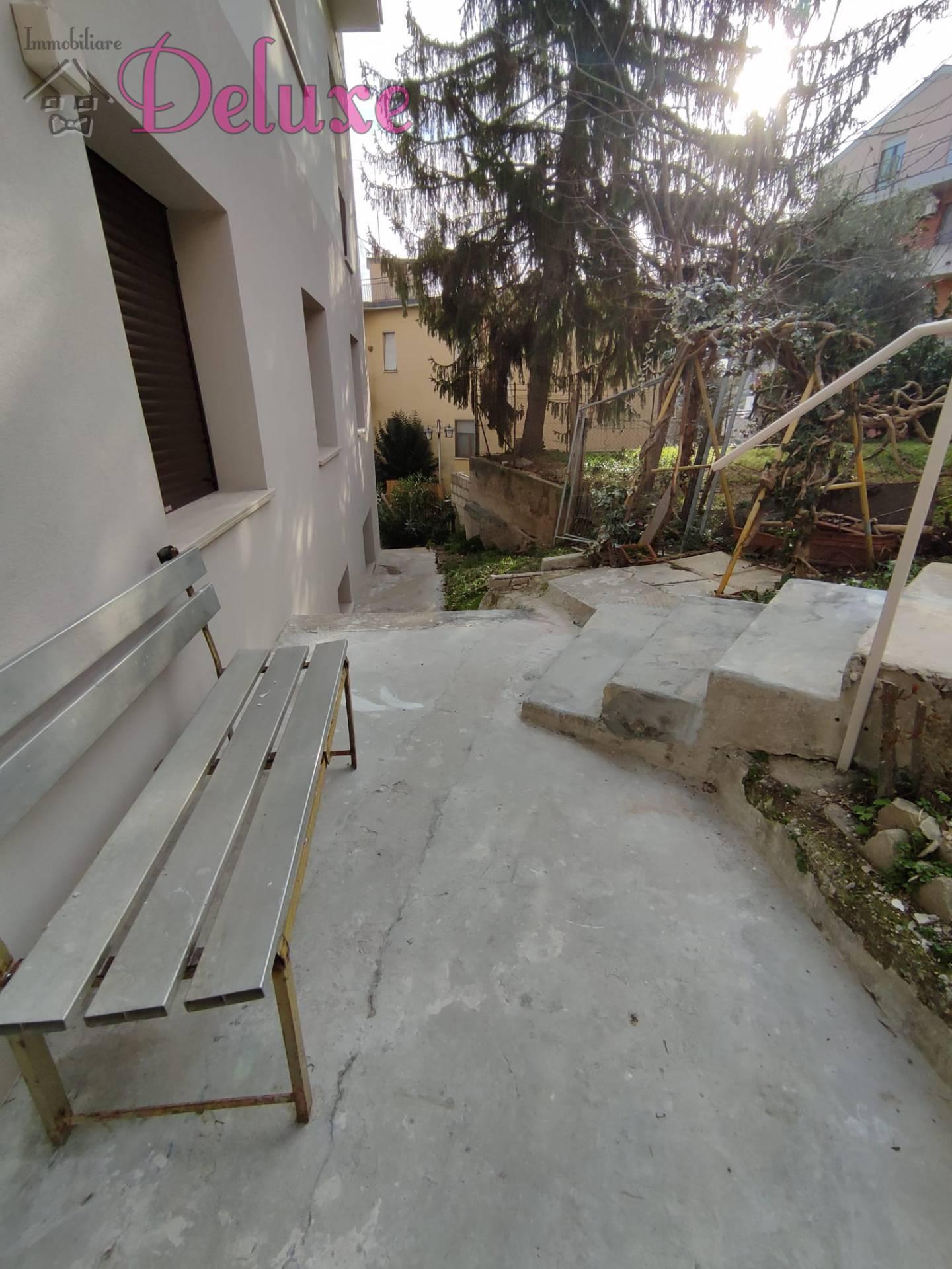 Appartamento in affitto a Macerata, 4 locali, zona Zona: Semicentrale, prezzo € 550 | CambioCasa.it