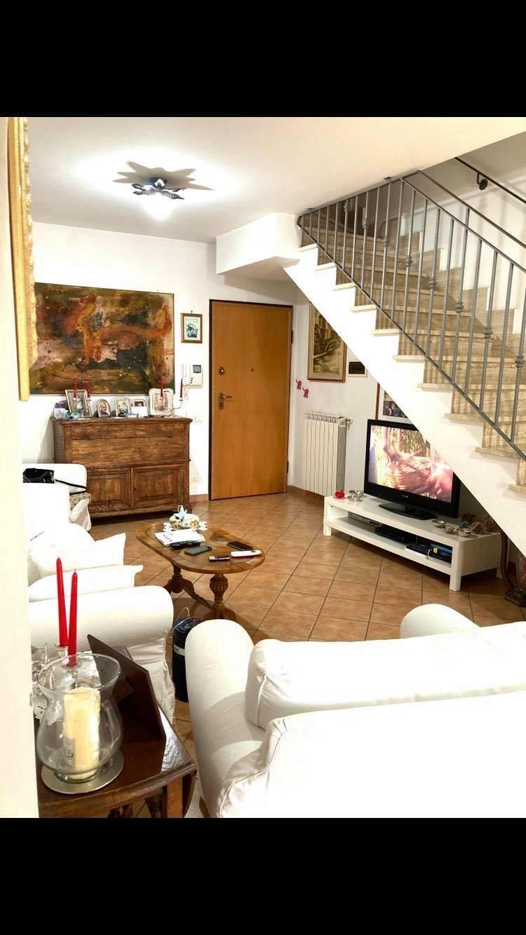 Appartamento in vendita a Monterotondo, 5 locali, zona Località: MonterotondoScalo, prezzo € 260.000   CambioCasa.it