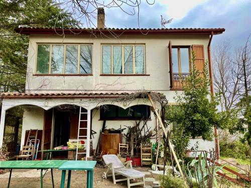 Villa in Vendita a Castelbellino