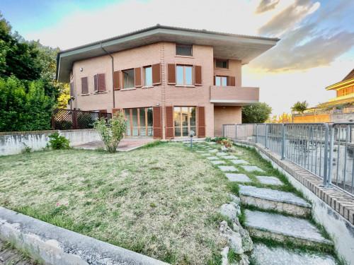 Villa in Affitto a Monsano