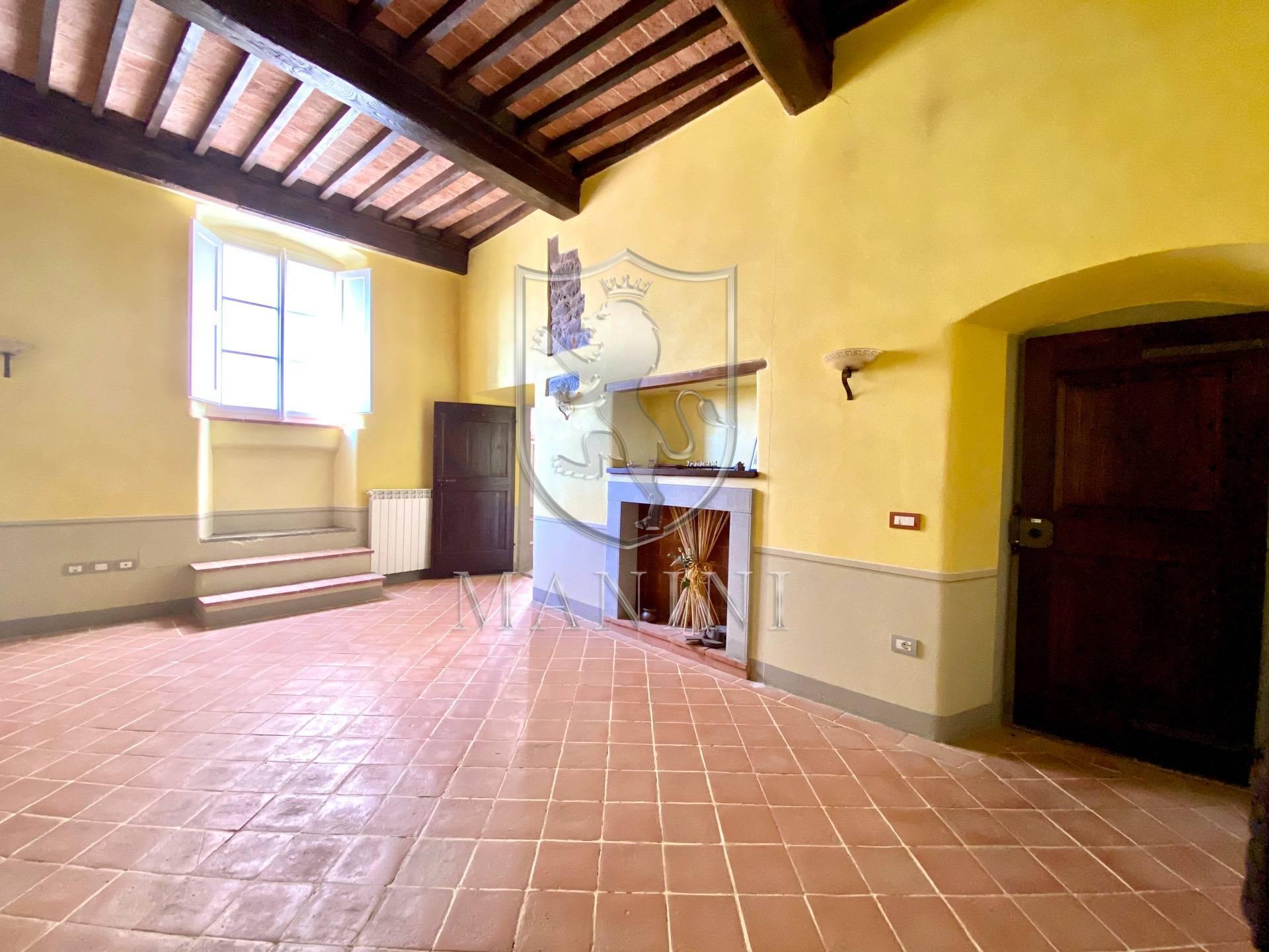 Appartamento in vendita a Cortona, 5 locali, prezzo € 180.000 | CambioCasa.it