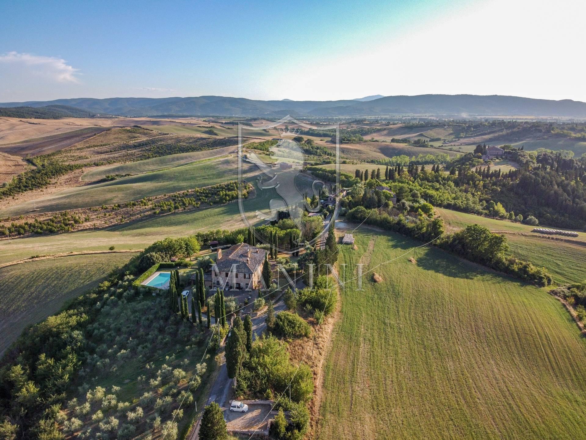 Rustico / Casale in vendita a Monteroni d'Arbia, 20 locali, prezzo € 1.500.000 | CambioCasa.it
