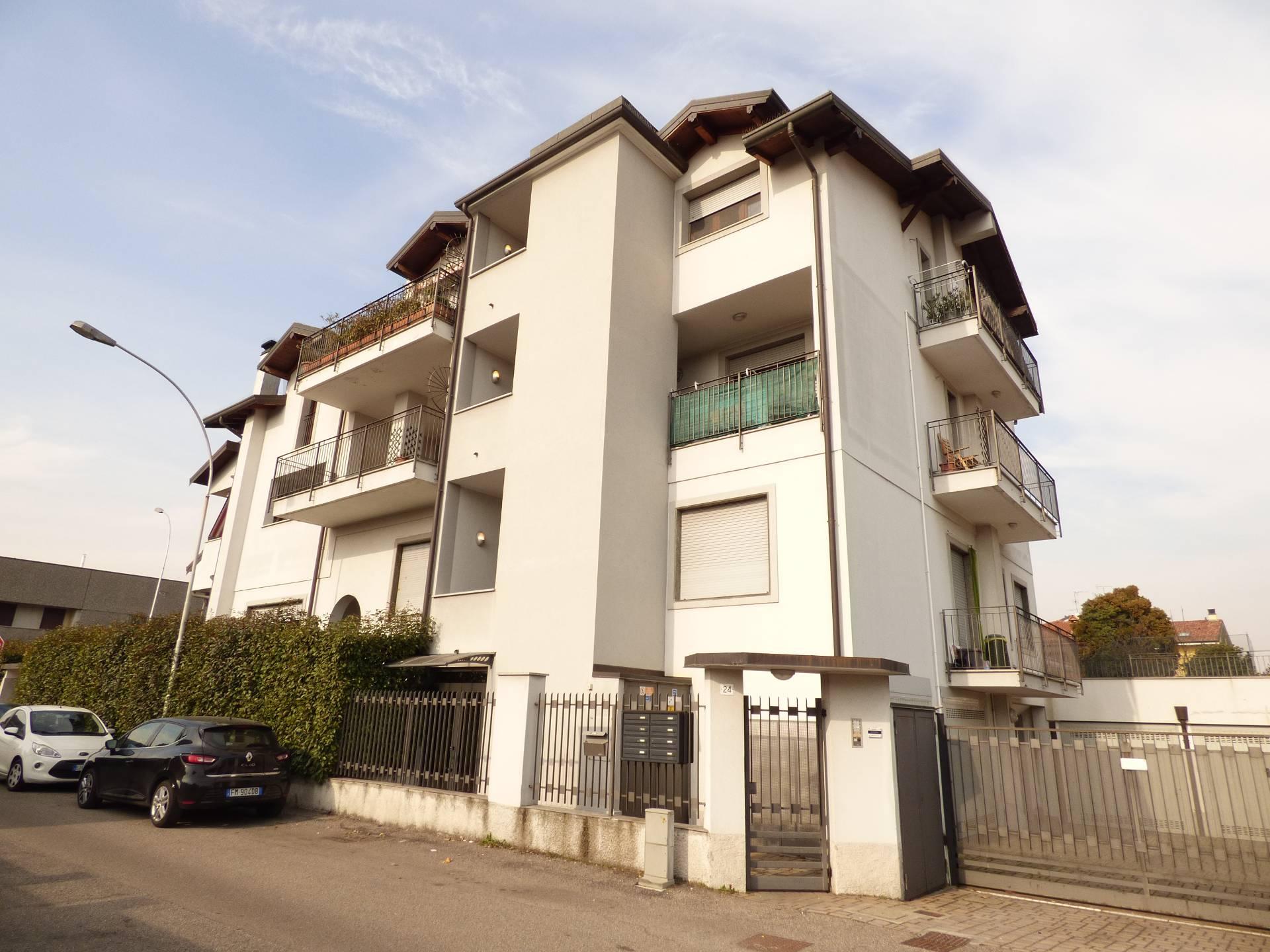 Appartamento in vendita a Bareggio, 3 locali, prezzo € 145.000 | CambioCasa.it