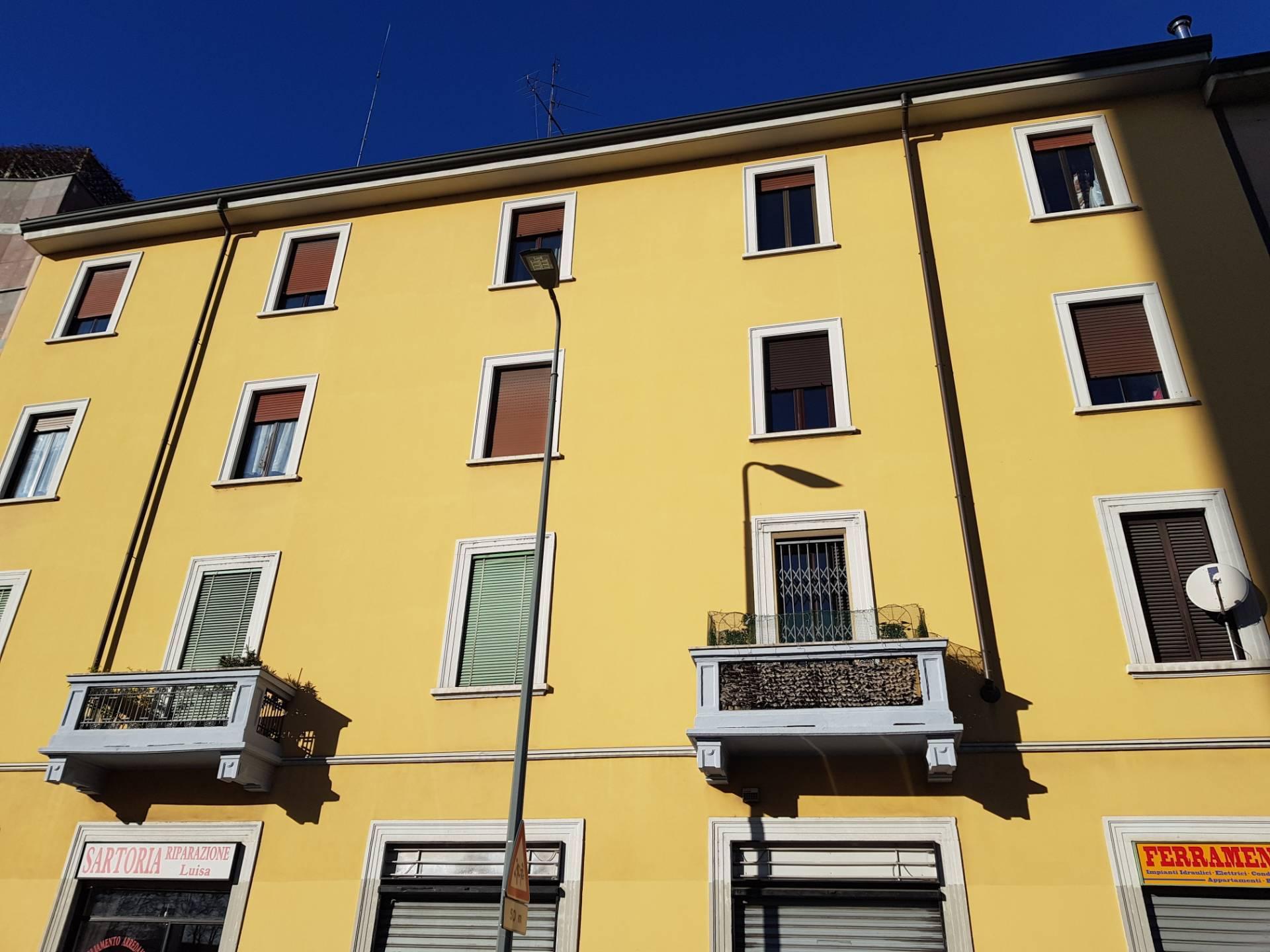 Appartamento in vendita a Milano, 2 locali, zona Località: Giambellino, prezzo € 108.000 | CambioCasa.it