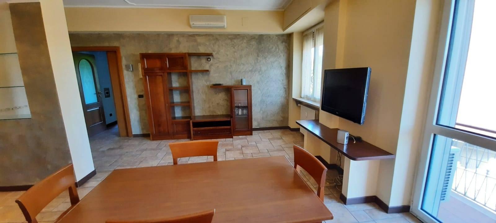 Appartamento in vendita a Buccinasco, 3 locali, prezzo € 275.000 | CambioCasa.it