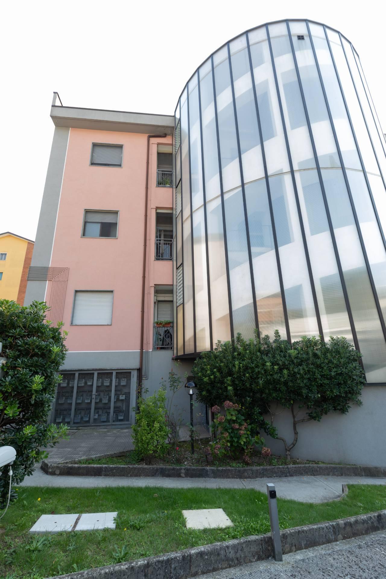 Appartamento in vendita a Abbiategrasso, 3 locali, prezzo € 130.000   CambioCasa.it