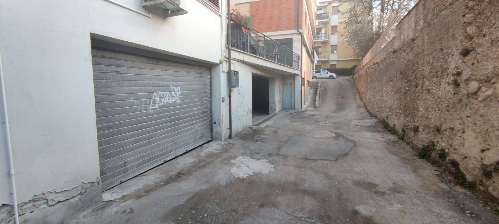 Garage/Box/Posto auto in affitto a Ascoli Piceno (AP)