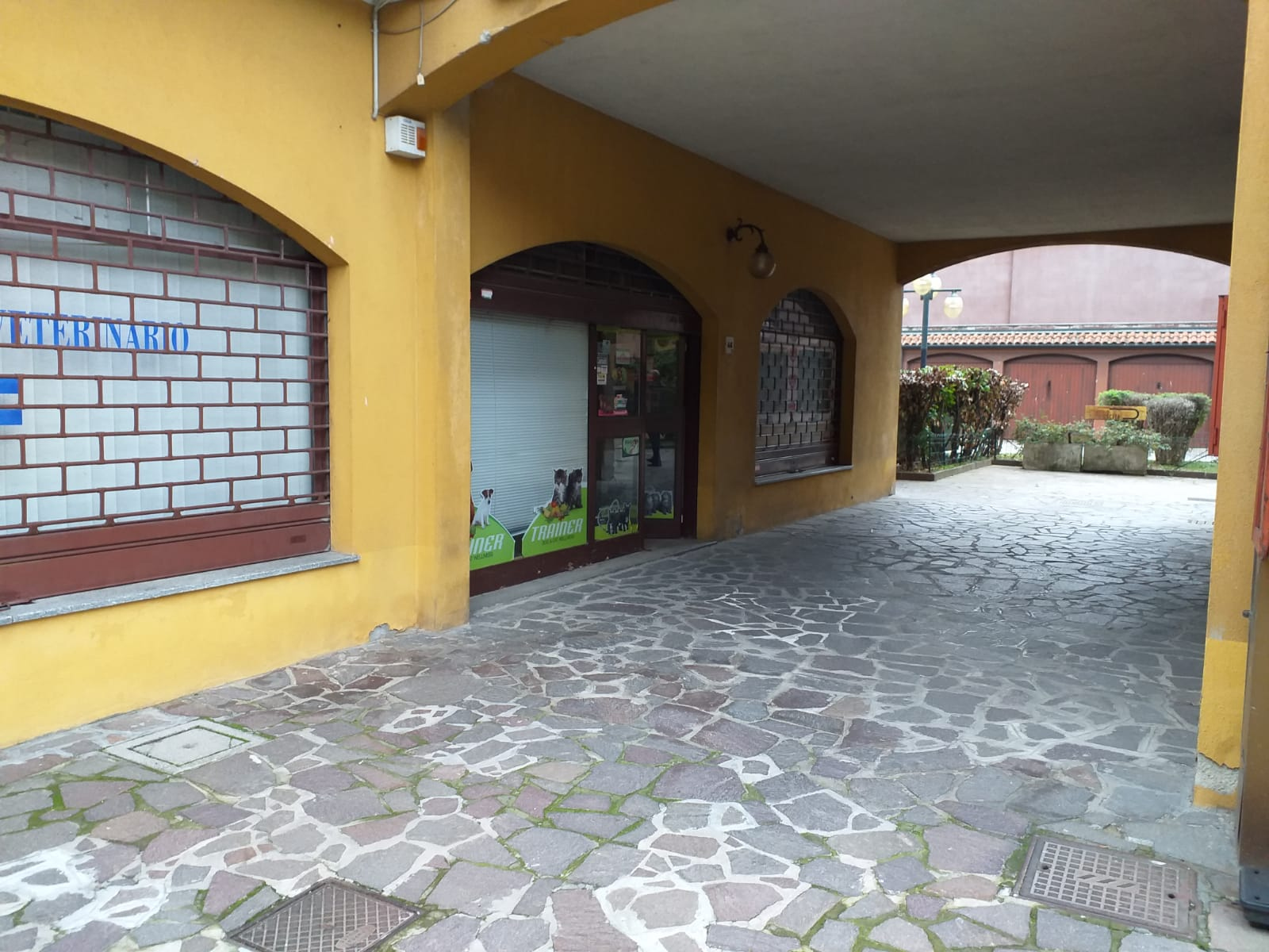 Negozio / Locale in affitto a Binasco, 9999 locali, prezzo € 700 | CambioCasa.it