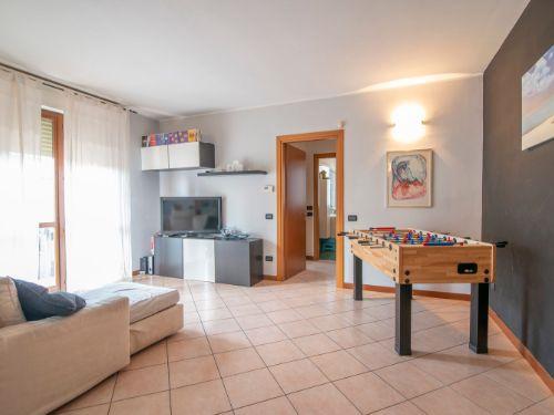 Appartamento in vendita a Noviglio, 3 locali, prezzo € 150.000 | CambioCasa.it
