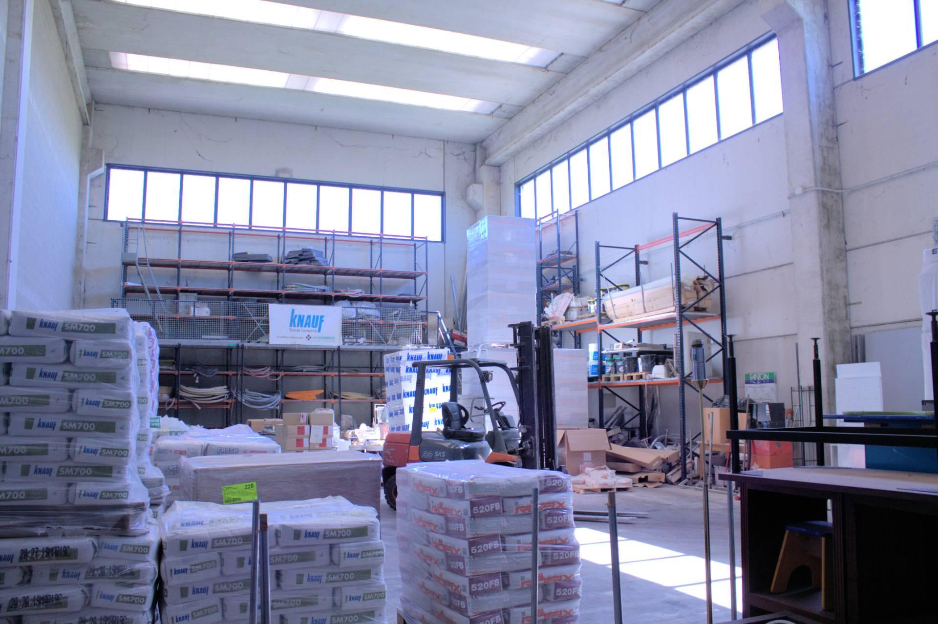 Capannone in vendita a Casorate Primo, 9999 locali, prezzo € 450.000 | CambioCasa.it