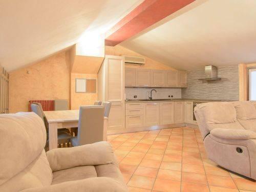 Appartamento in vendita a Binasco, 3 locali, prezzo € 215.000 | CambioCasa.it