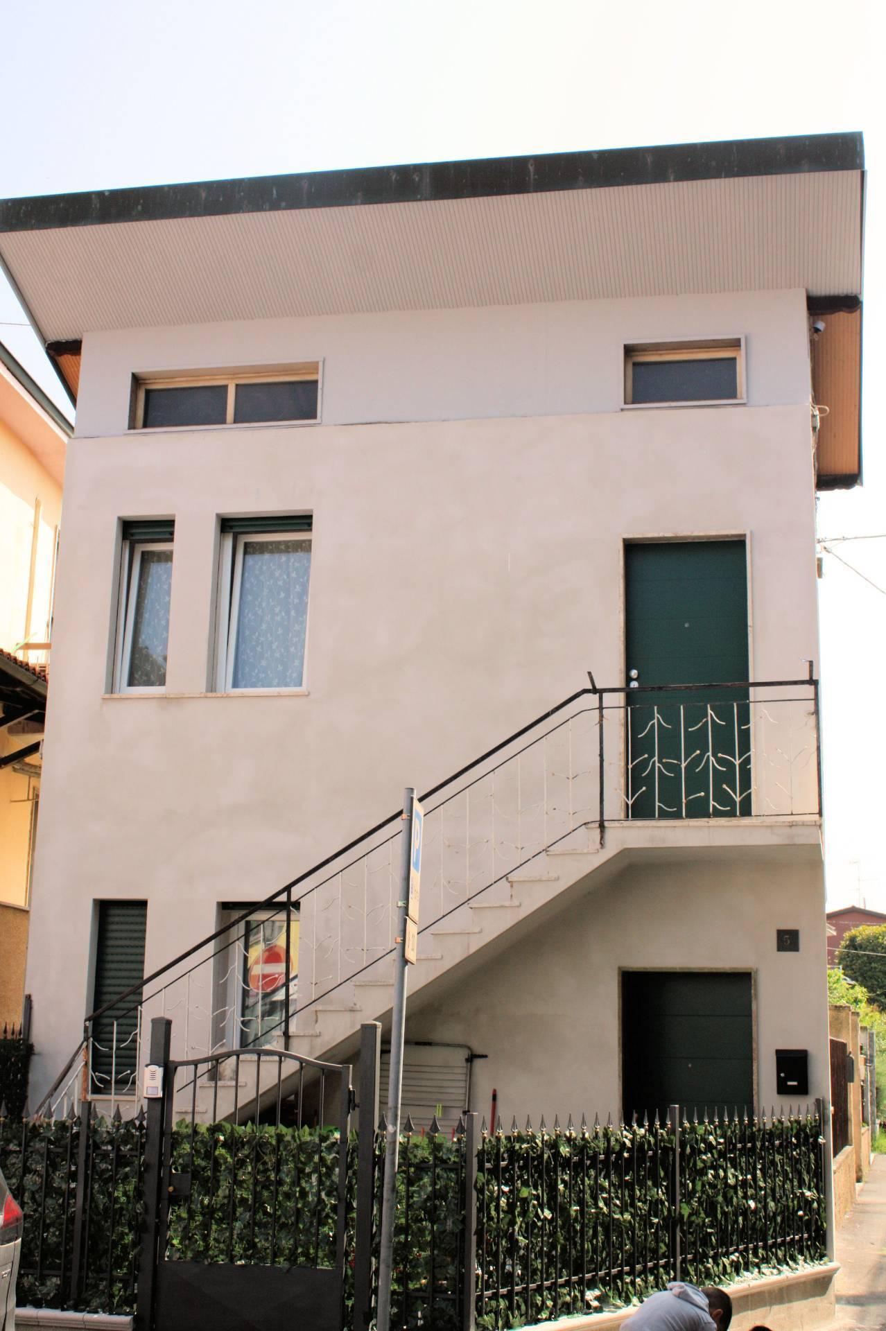 Soluzione Indipendente in affitto a Motta Visconti, 2 locali, prezzo € 450 | CambioCasa.it