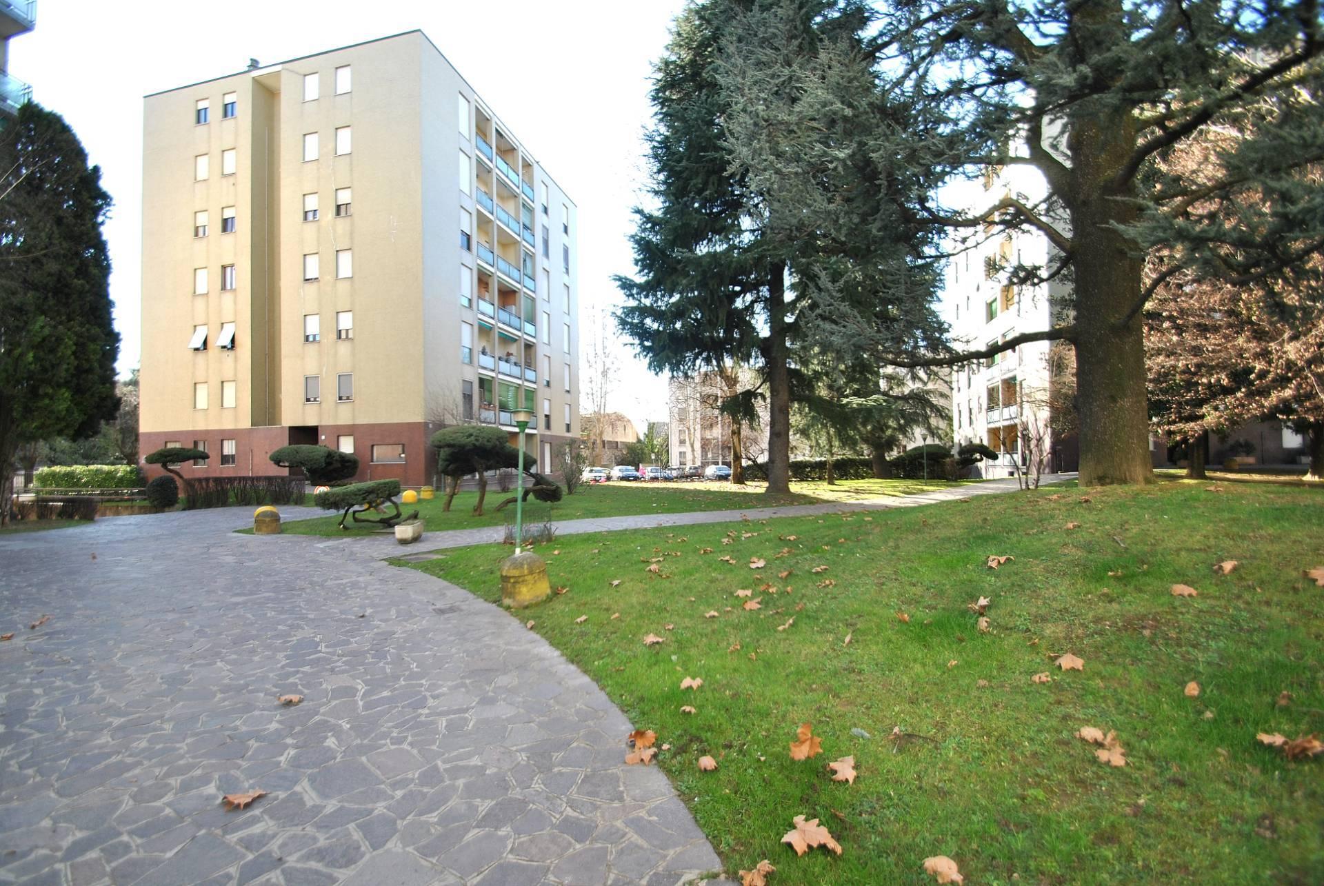 Appartamento in vendita a Vimercate, 2 locali, zona Località: CentroScuoleManzoni/filiberto, prezzo € 98.000 | CambioCasa.it