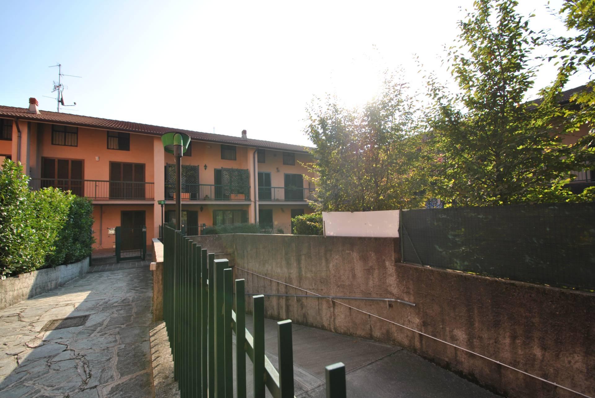 Villa a Schiera in vendita a Vimercate, 6 locali, zona Zona: Oreno, prezzo € 350.000 | CambioCasa.it