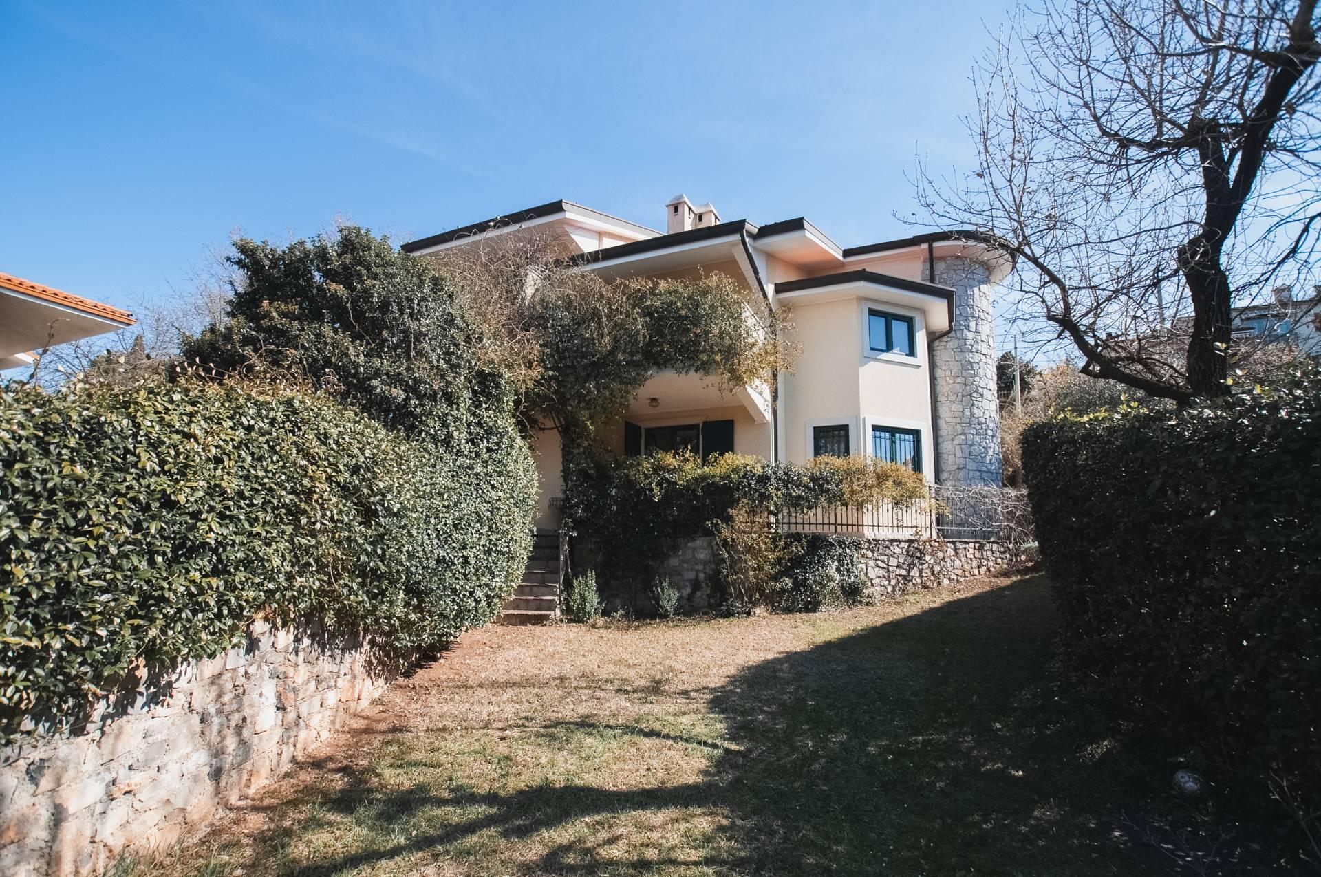 Villa in vendita a Duino-Aurisina, 7 locali, zona Zona: Visogliano, prezzo € 370.000   CambioCasa.it