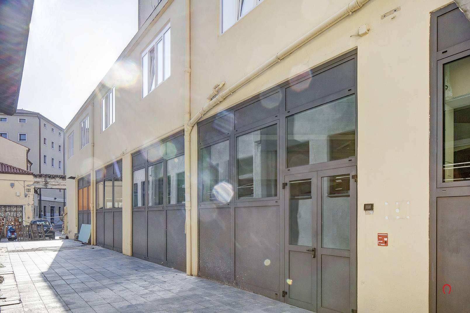 Negozio / Locale in affitto a Trieste, 9999 locali, prezzo € 500.000 | PortaleAgenzieImmobiliari.it