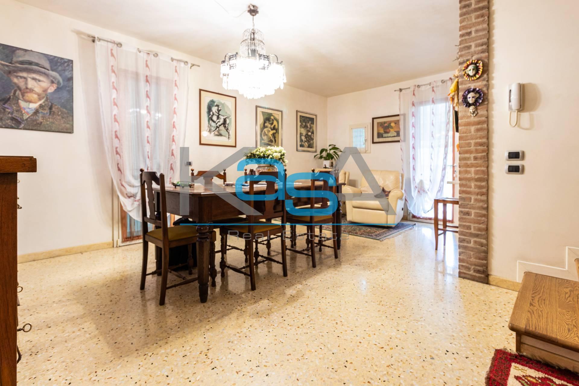 Villa a Schiera in Vendita a Crocetta del Montello