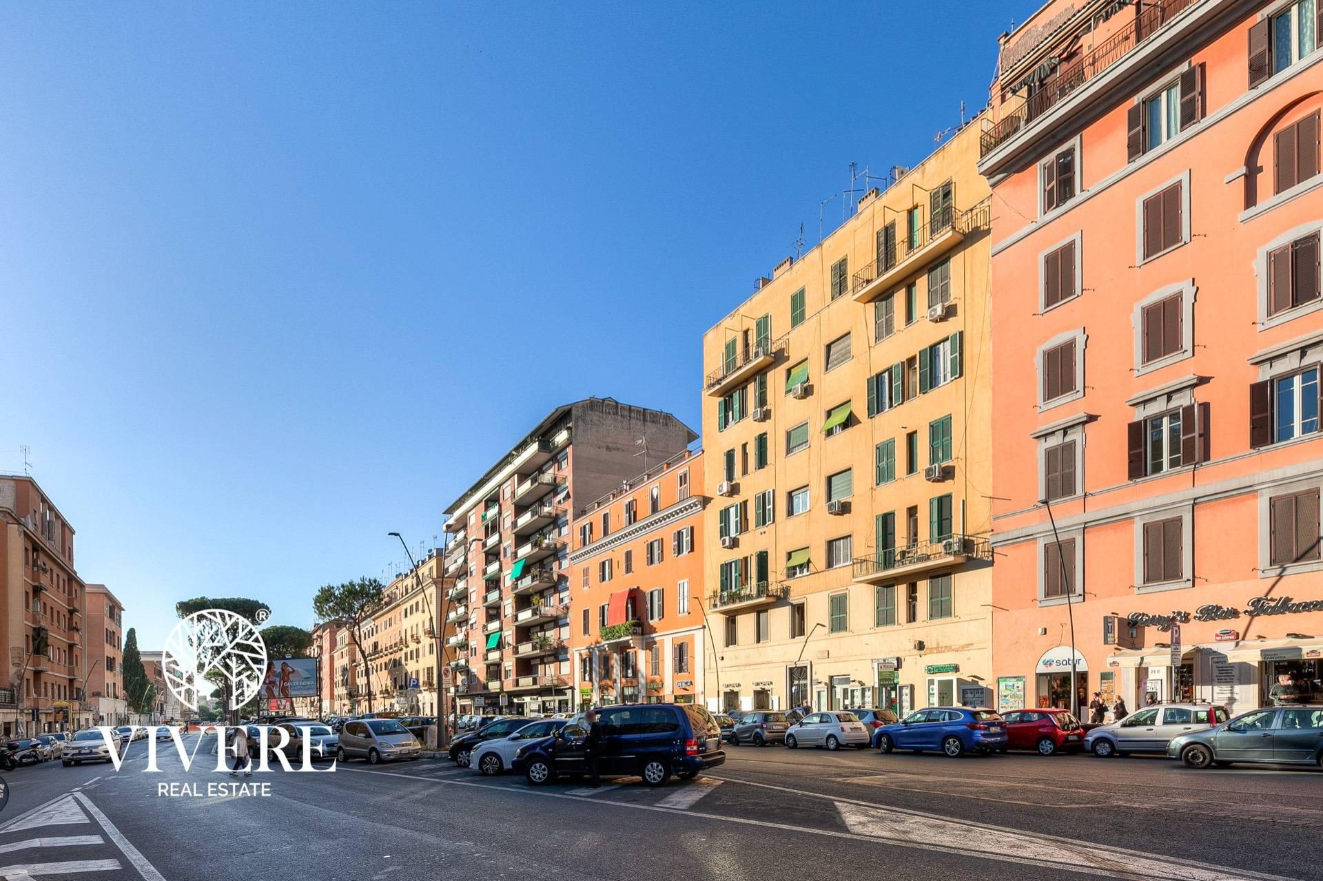 Appartamento in vendita a Roma, 2 locali, zona Zona: 16 . Appia nuova - Alberone - Colli Albani, prezzo € 219.000 | CambioCasa.it