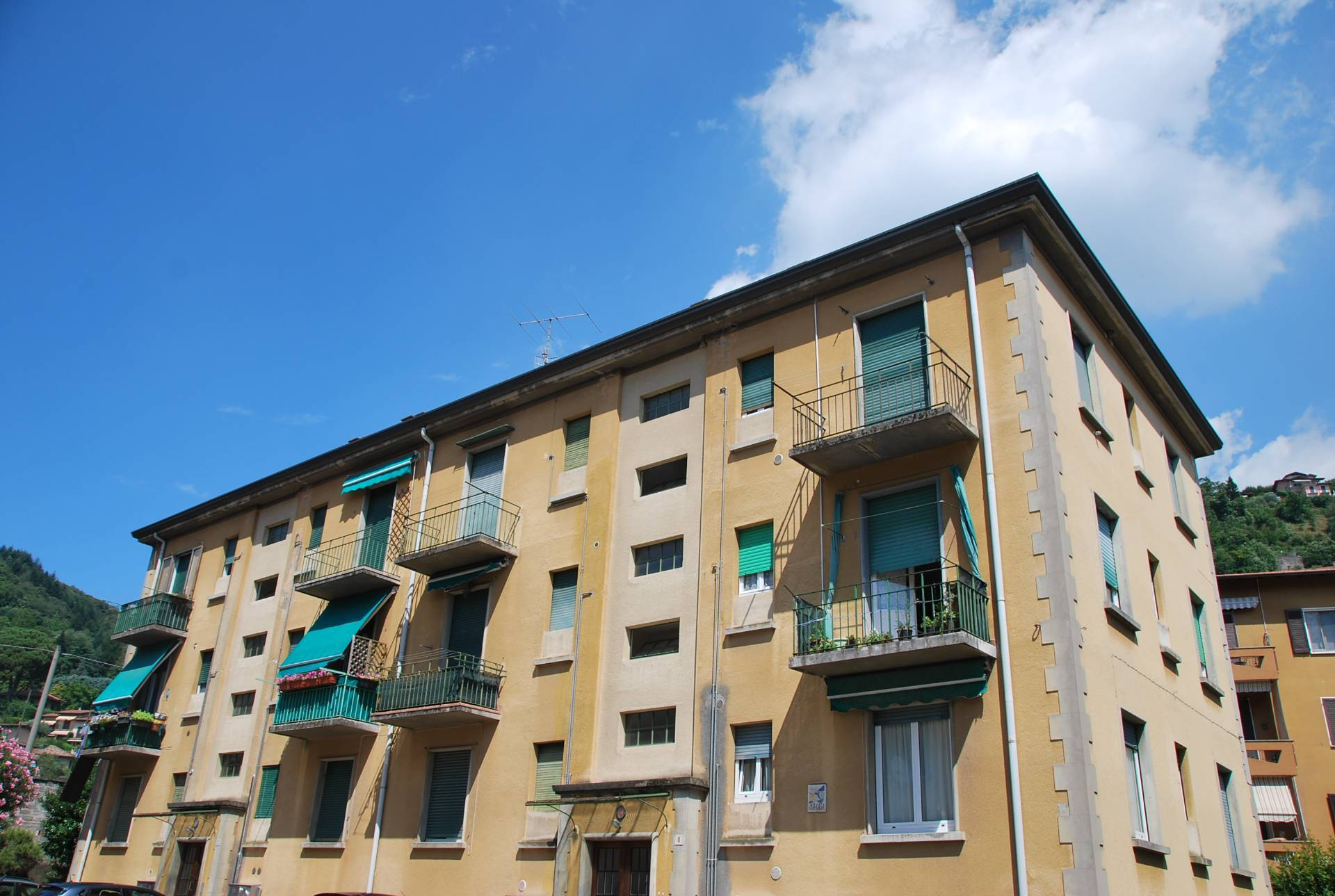 Immobile a Laveno-Mombello