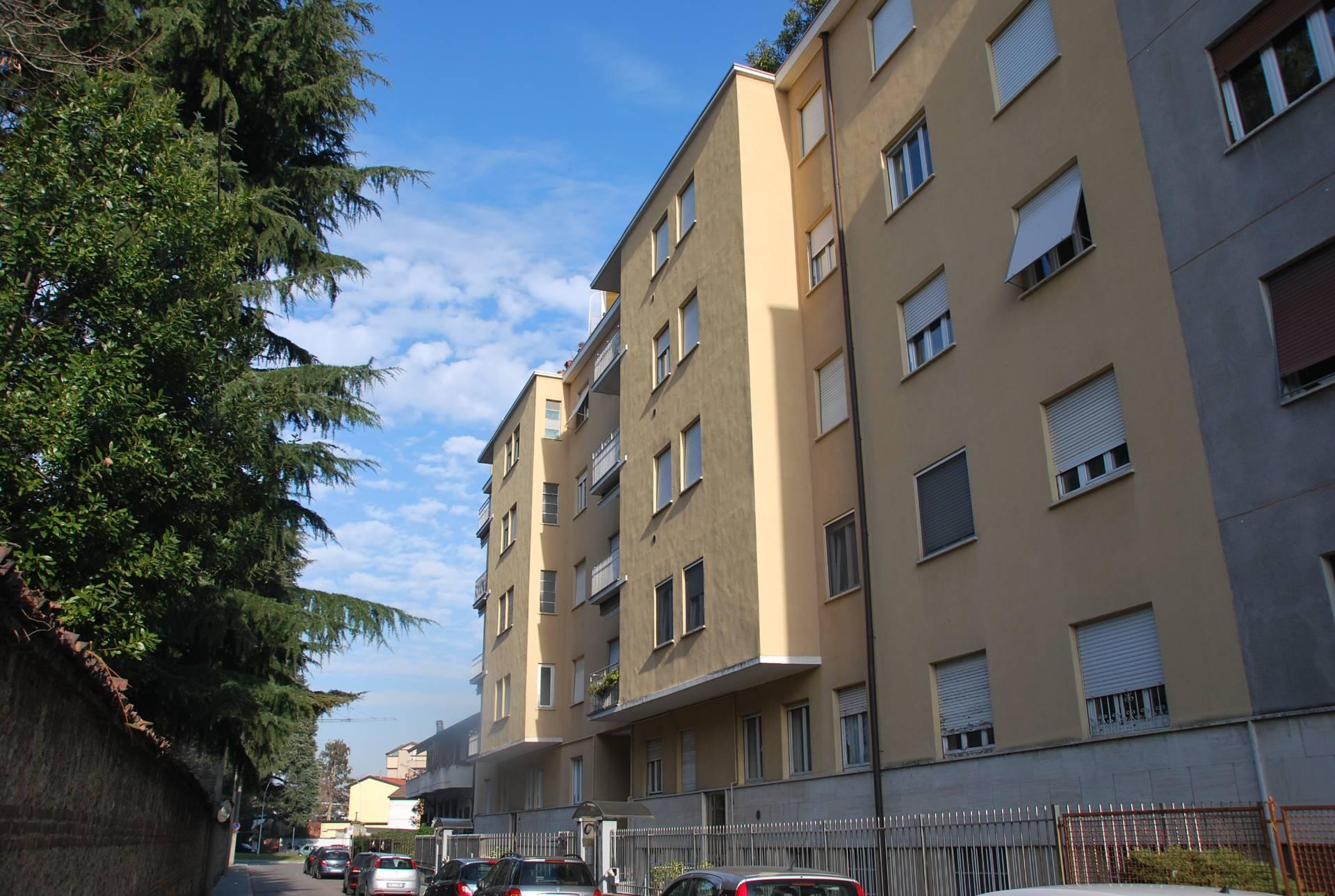 Appartamento in vendita a Legnano, 2 locali, zona Zona: Ronchi, prezzo € 75.000   CambioCasa.it