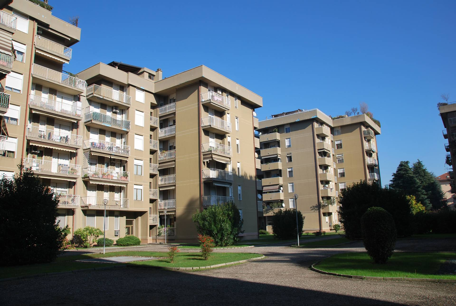 Appartamento in vendita a Legnano, 3 locali, zona Zona: Centro, prezzo € 93.000   CambioCasa.it