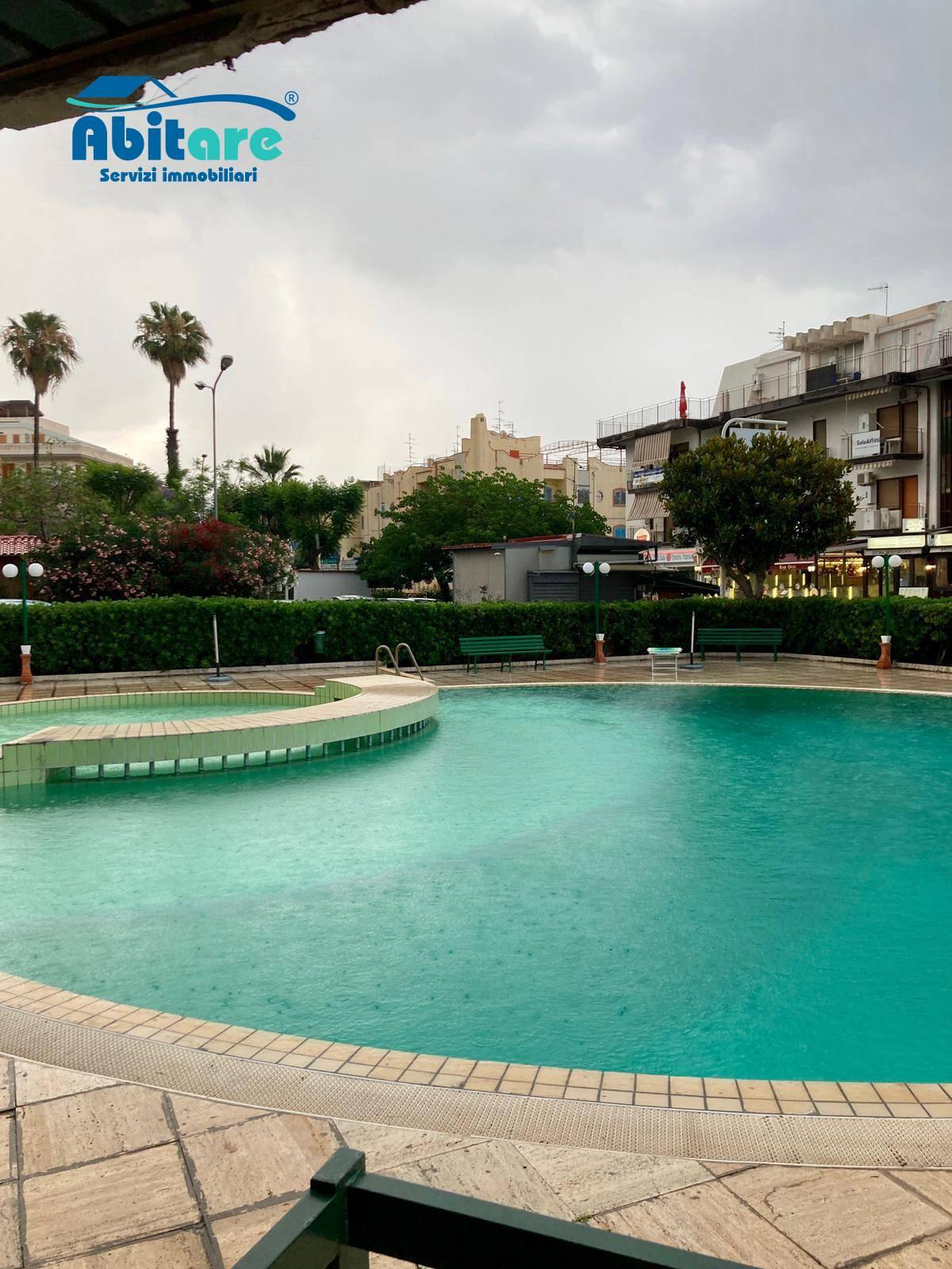 Appartamento in vendita a Giardini-Naxos, 2 locali, zona Zona: Giardini, prezzo € 180.000 | CambioCasa.it