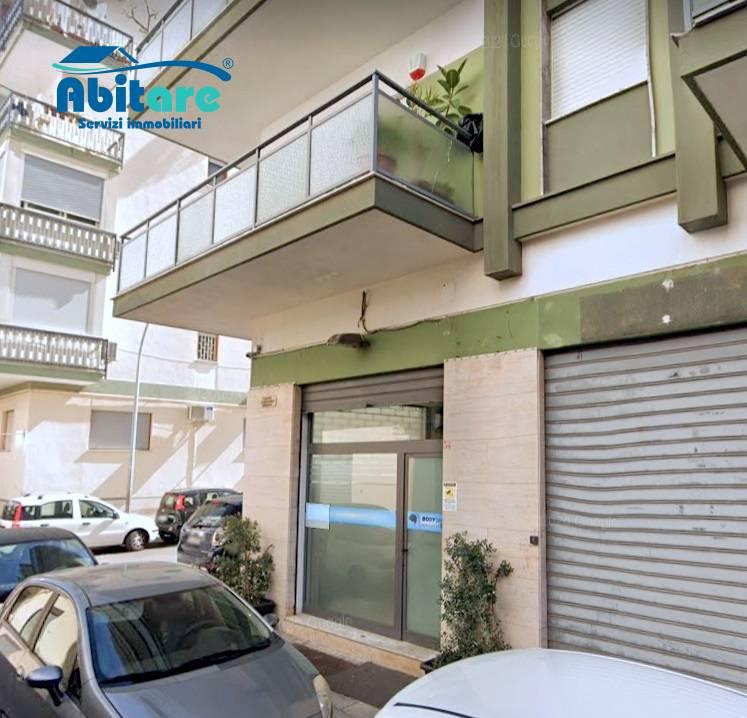 Negozio / Locale in affitto a Palermo, 9999 locali, zona Località: Villatasca, prezzo € 420 | CambioCasa.it