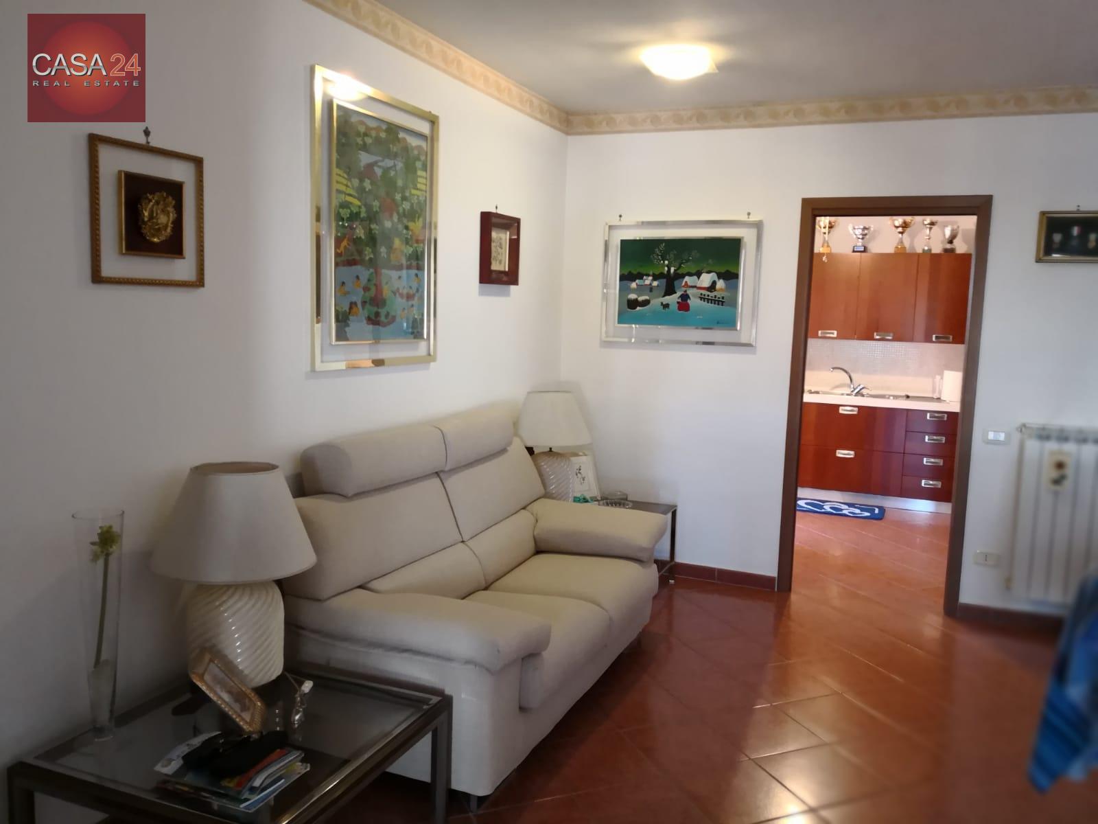 vendita appartamento latina r5 zona ex svar  220000 euro  5 locali  125 mq