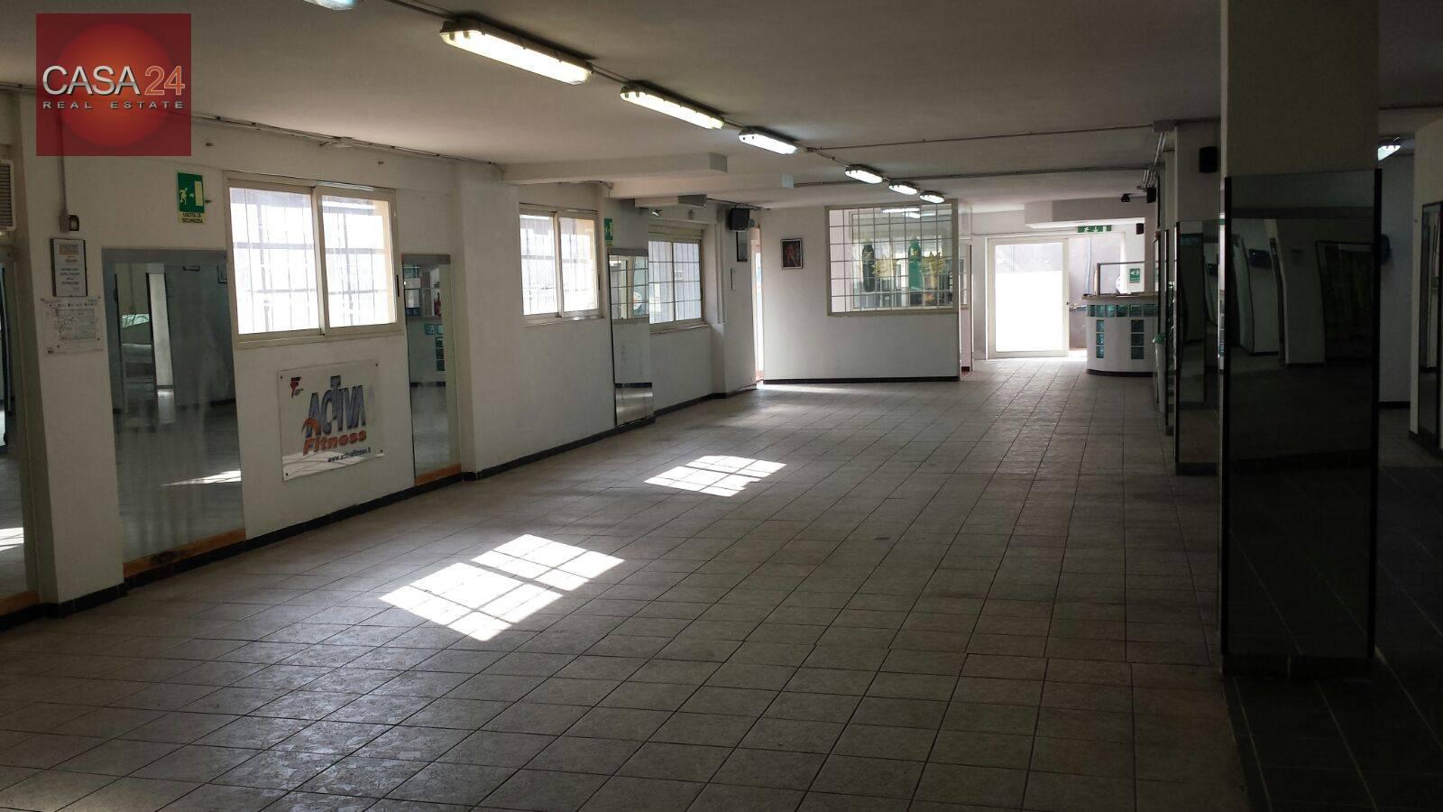 Magazzino in vendita a Latina, 9999 locali, zona Località: Q3CentroMorbella, prezzo € 250.000   CambioCasa.it