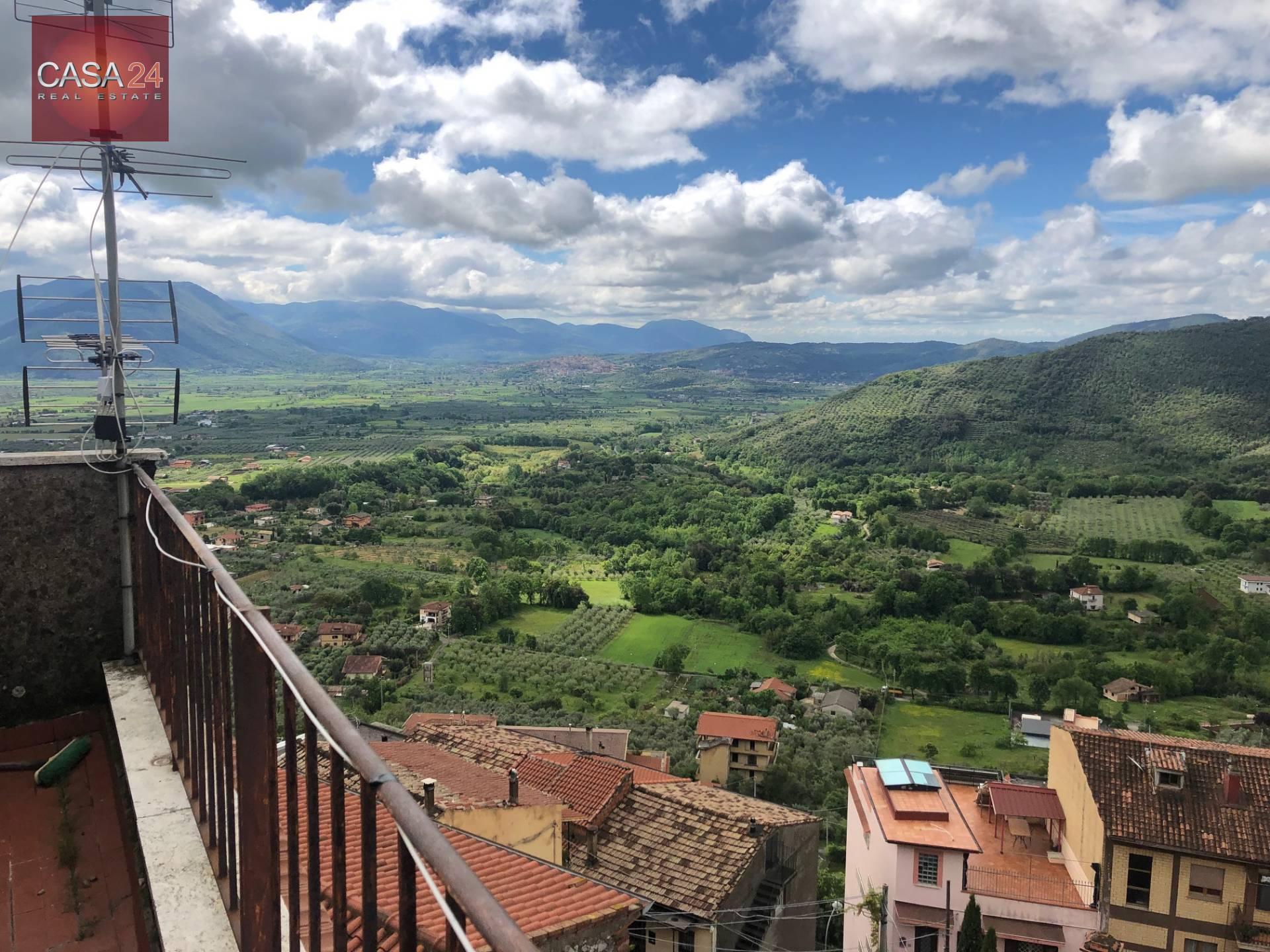Appartamento in vendita a Roccagorga, 7 locali, prezzo € 70.000 | CambioCasa.it