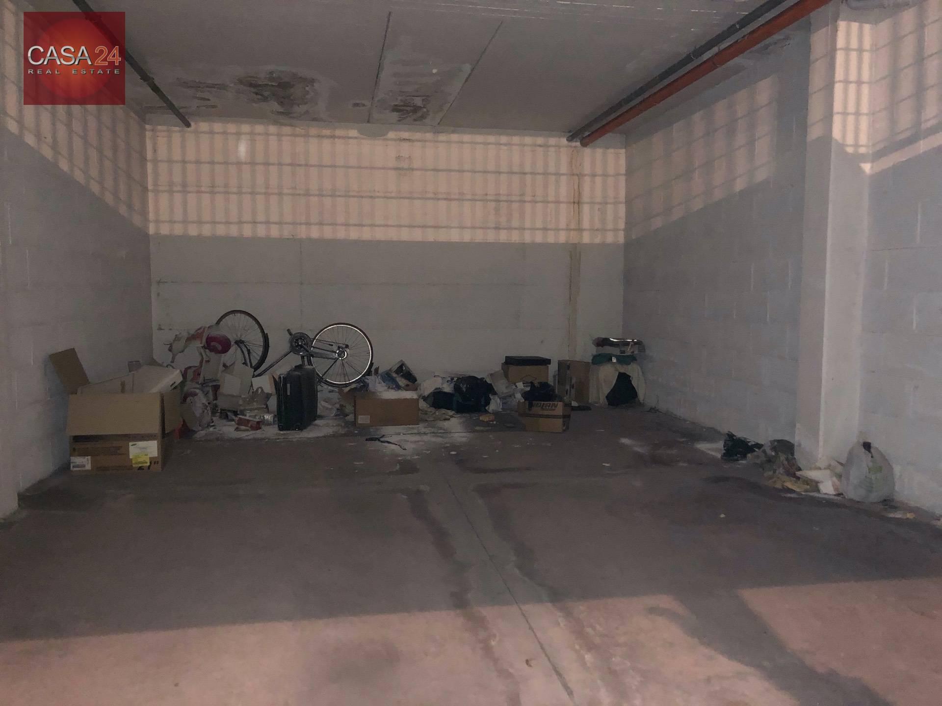 Box / Garage in vendita a Latina, 1 locali, zona Località: R2ZonaPiccarello, prezzo € 32.000 | CambioCasa.it