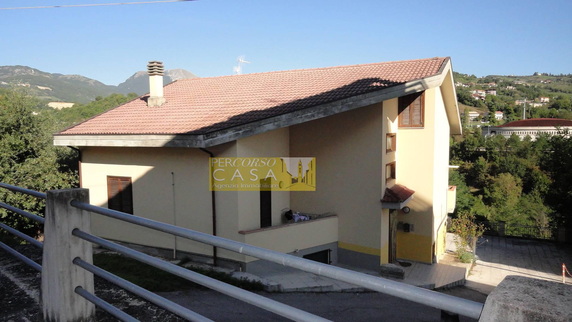 Appartamento in vendita a Teramo, 4 locali, zona Località: VialeBovio, prezzo € 100.000   PortaleAgenzieImmobiliari.it