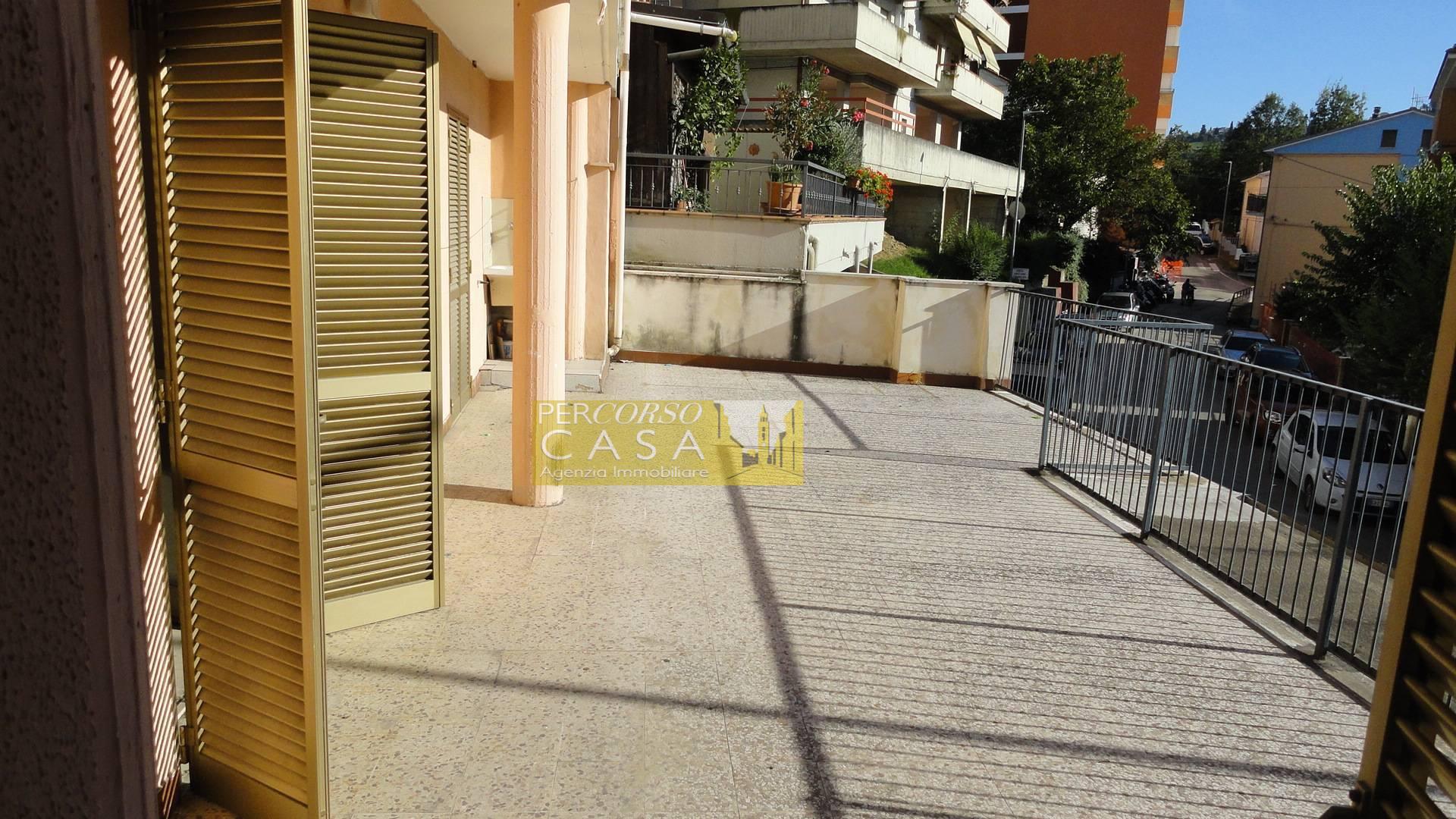 Appartamento in vendita a Teramo, 5 locali, zona Località: Stazione, prezzo € 65.000 | PortaleAgenzieImmobiliari.it