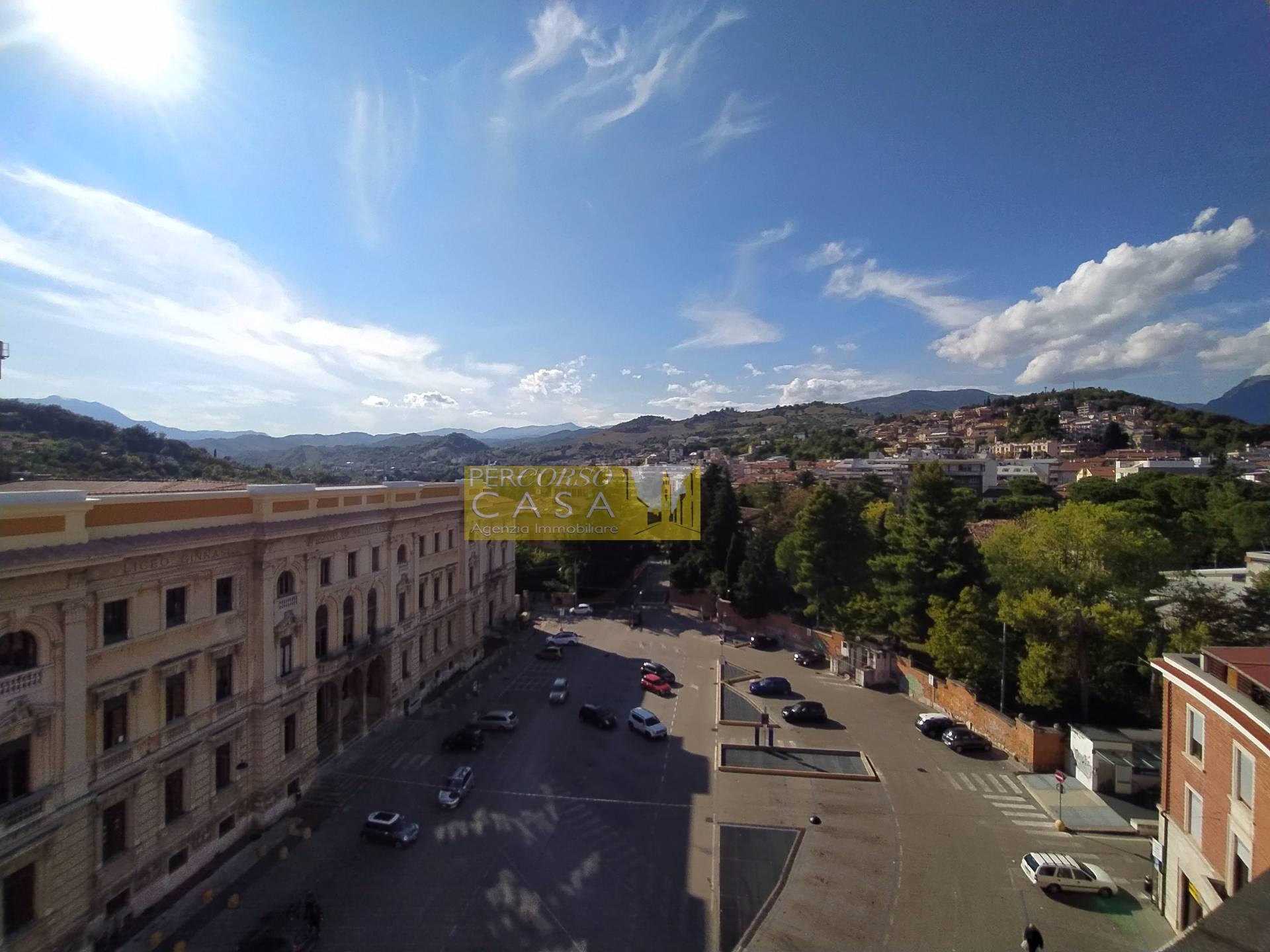 Attico / Mansarda in vendita a Teramo, 8 locali, zona ro, prezzo € 298.000 | PortaleAgenzieImmobiliari.it
