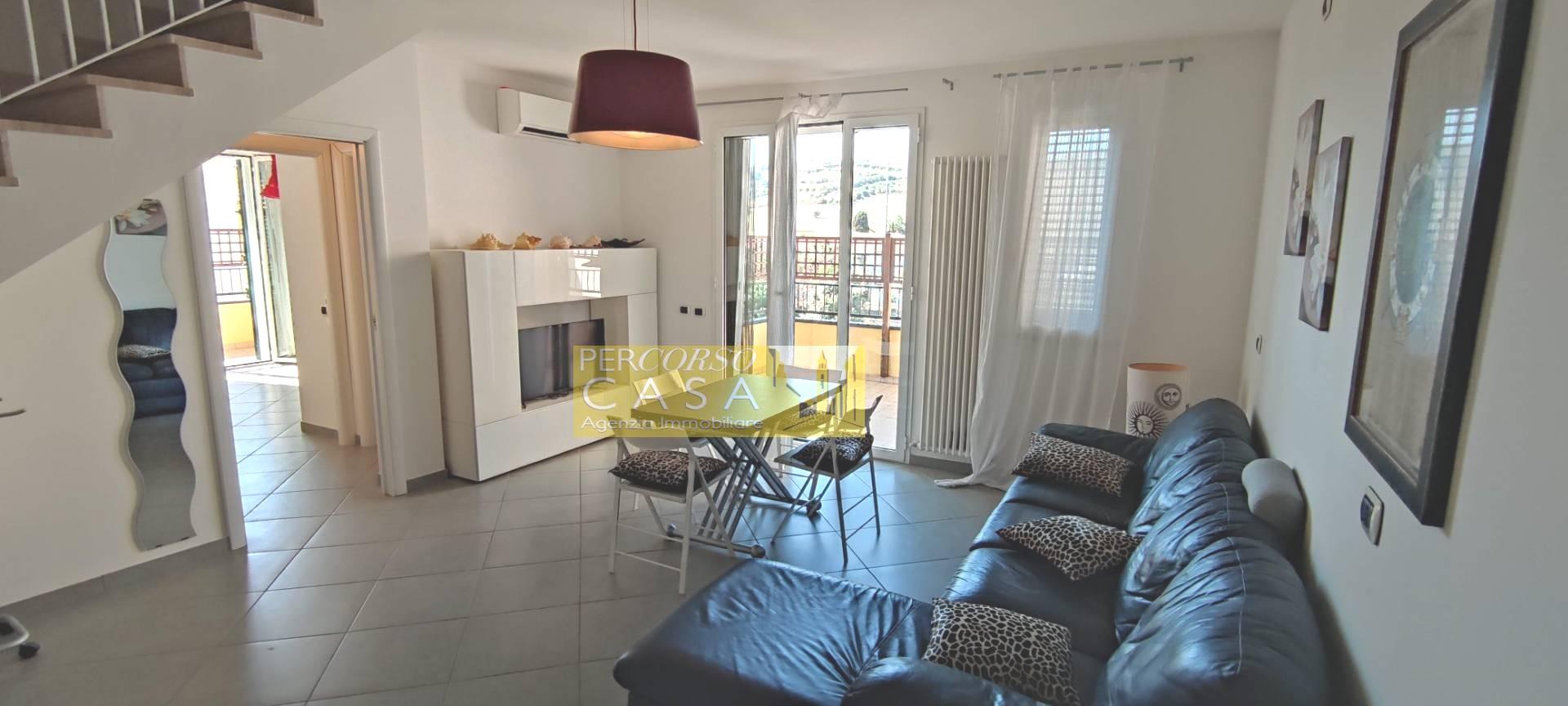 Appartamento in vendita a Giulianova, 5 locali, prezzo € 215.000 | PortaleAgenzieImmobiliari.it