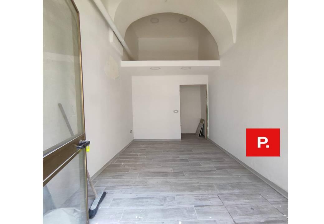 Fondo commerciale in 2 a Santa Maria Capua Vetere (CE)
