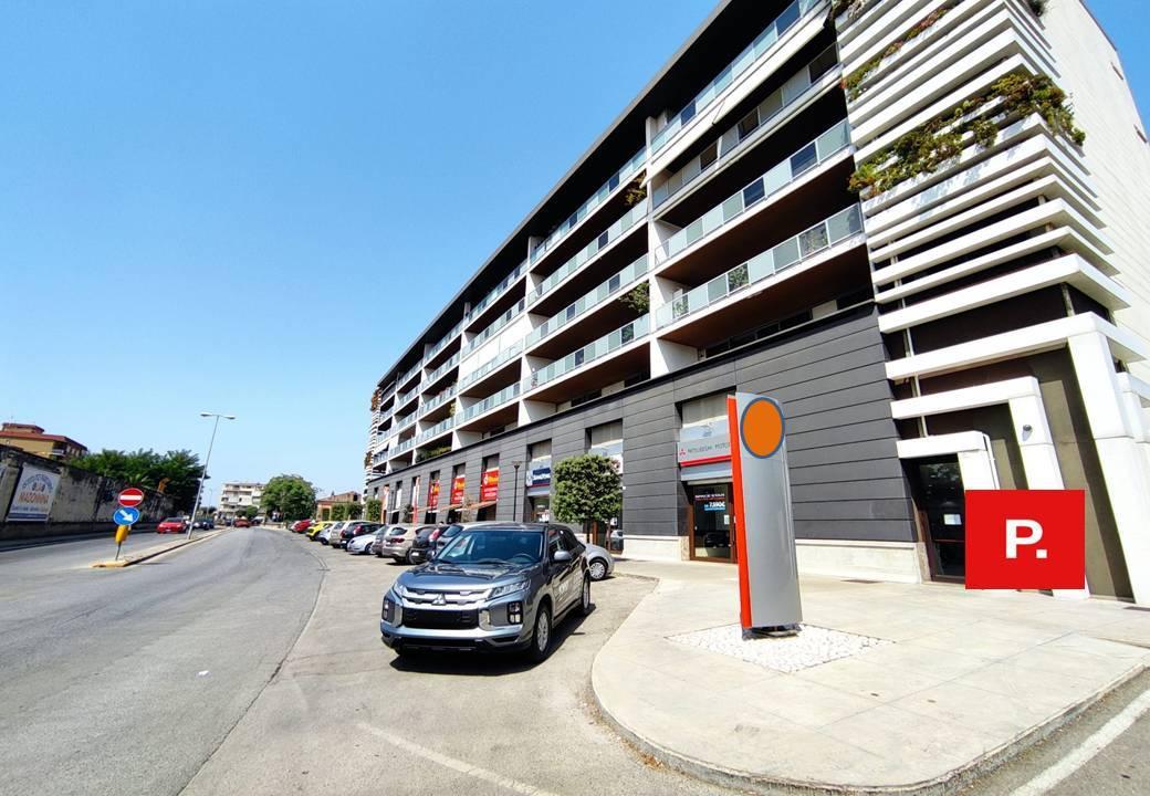 Fondo commerciale in affitto a Santa Maria Capua Vetere (CE)