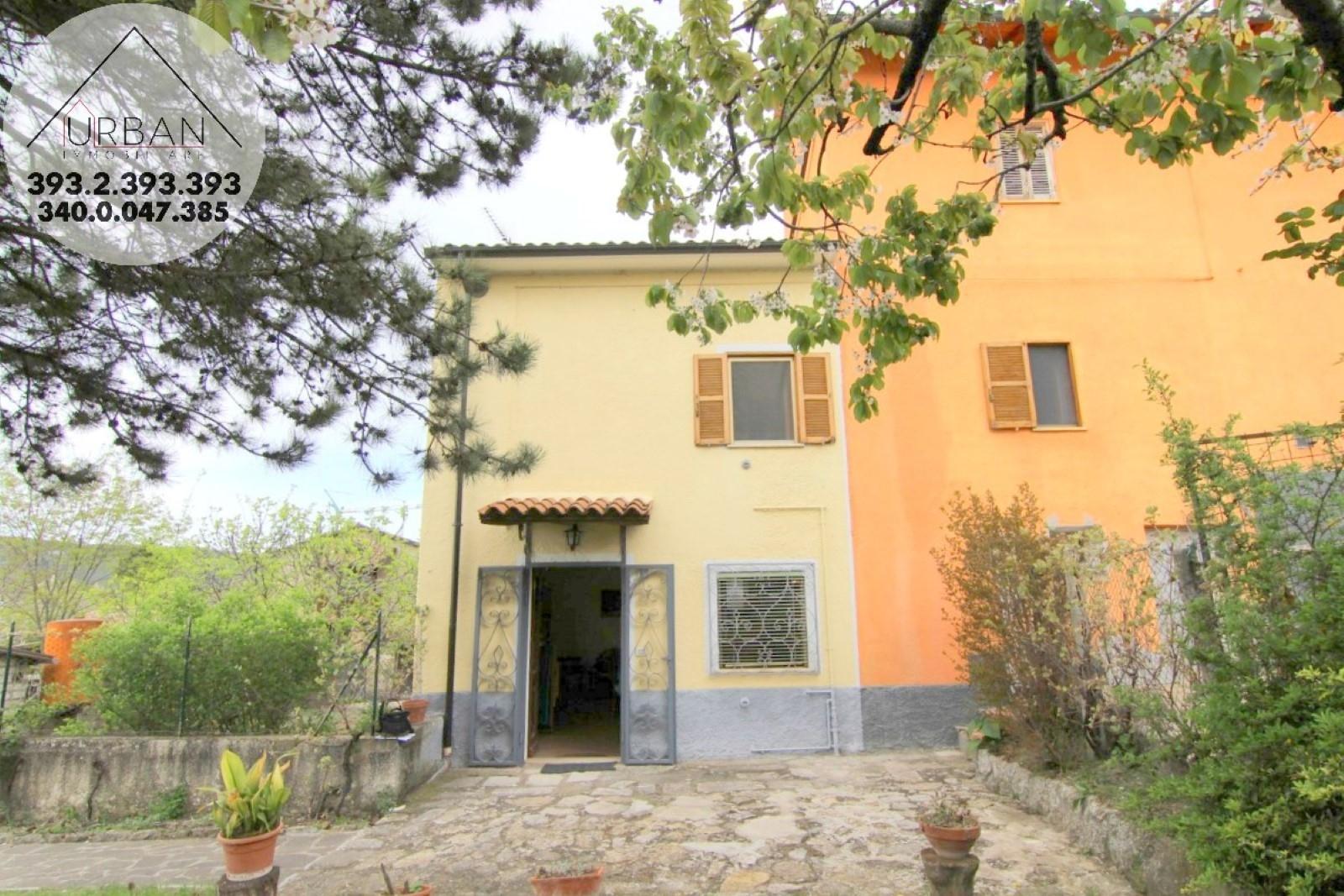BARETE (AQ) - Via Cavallotti