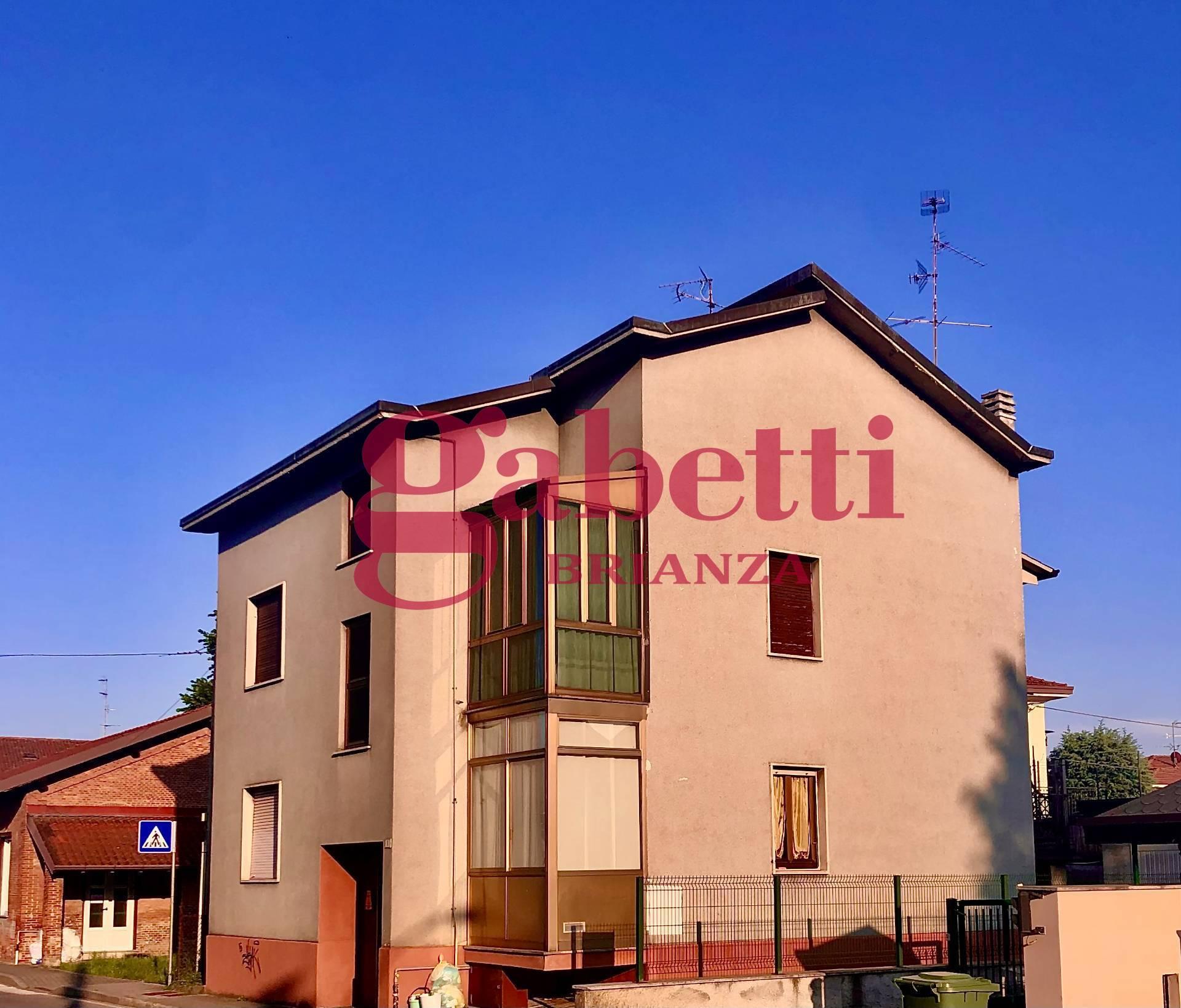 Appartamento in vendita a Casatenovo, 4 locali, zona ofiorenzo, prezzo € 125.000 | PortaleAgenzieImmobiliari.it