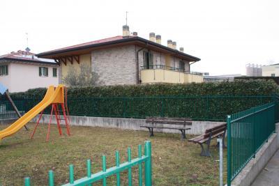 Appartamento in Affitto a Lomagna