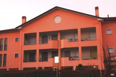 Appartamento in Vendita a Usmate Velate